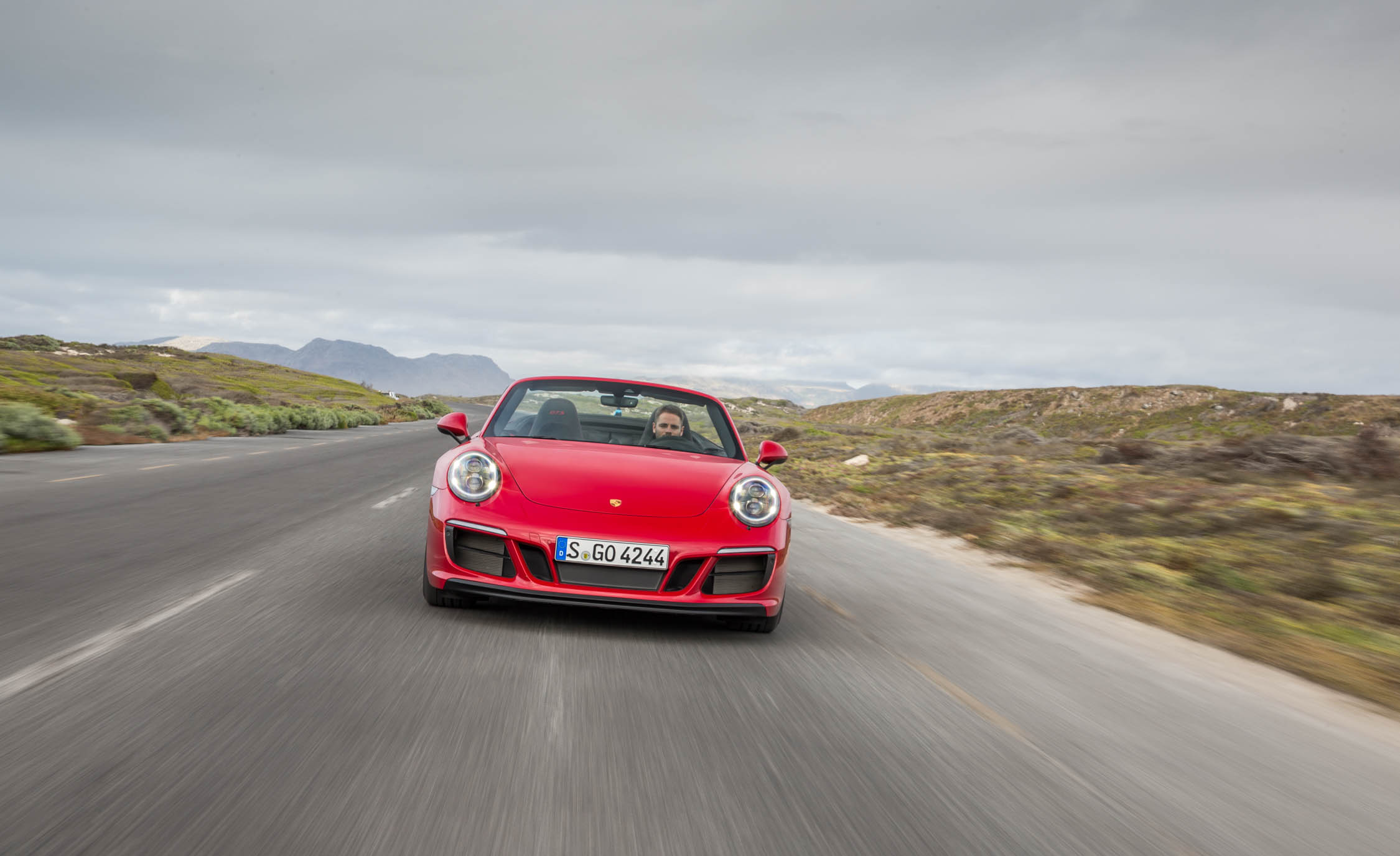 2017 Porsche 911 Carrera GTS Cabriolet Test Drive Front View (Photo 38 of 97)