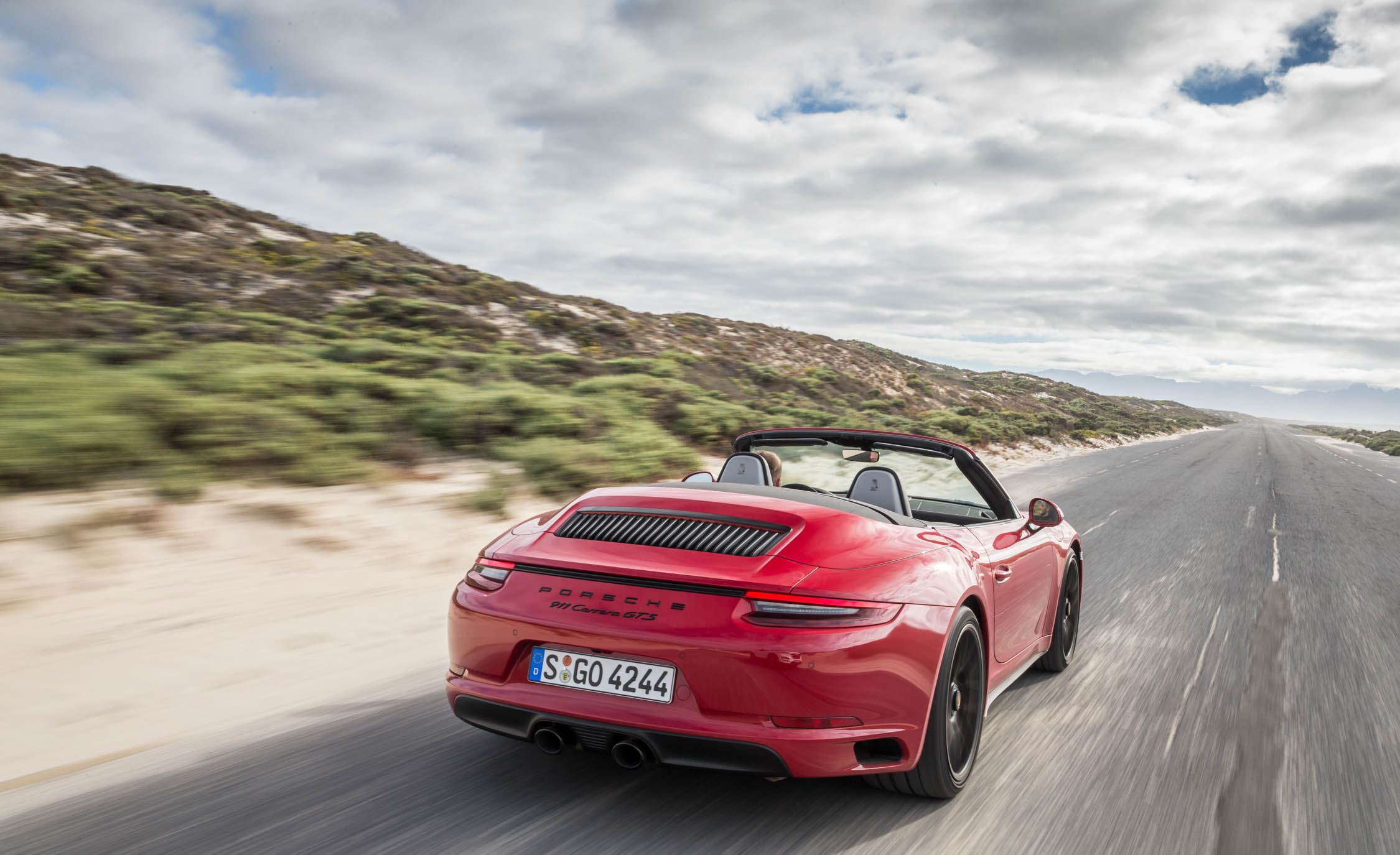 2017 Porsche 911 Carrera GTS Cabriolet Test Drive Rear View (Photo 39 of 97)