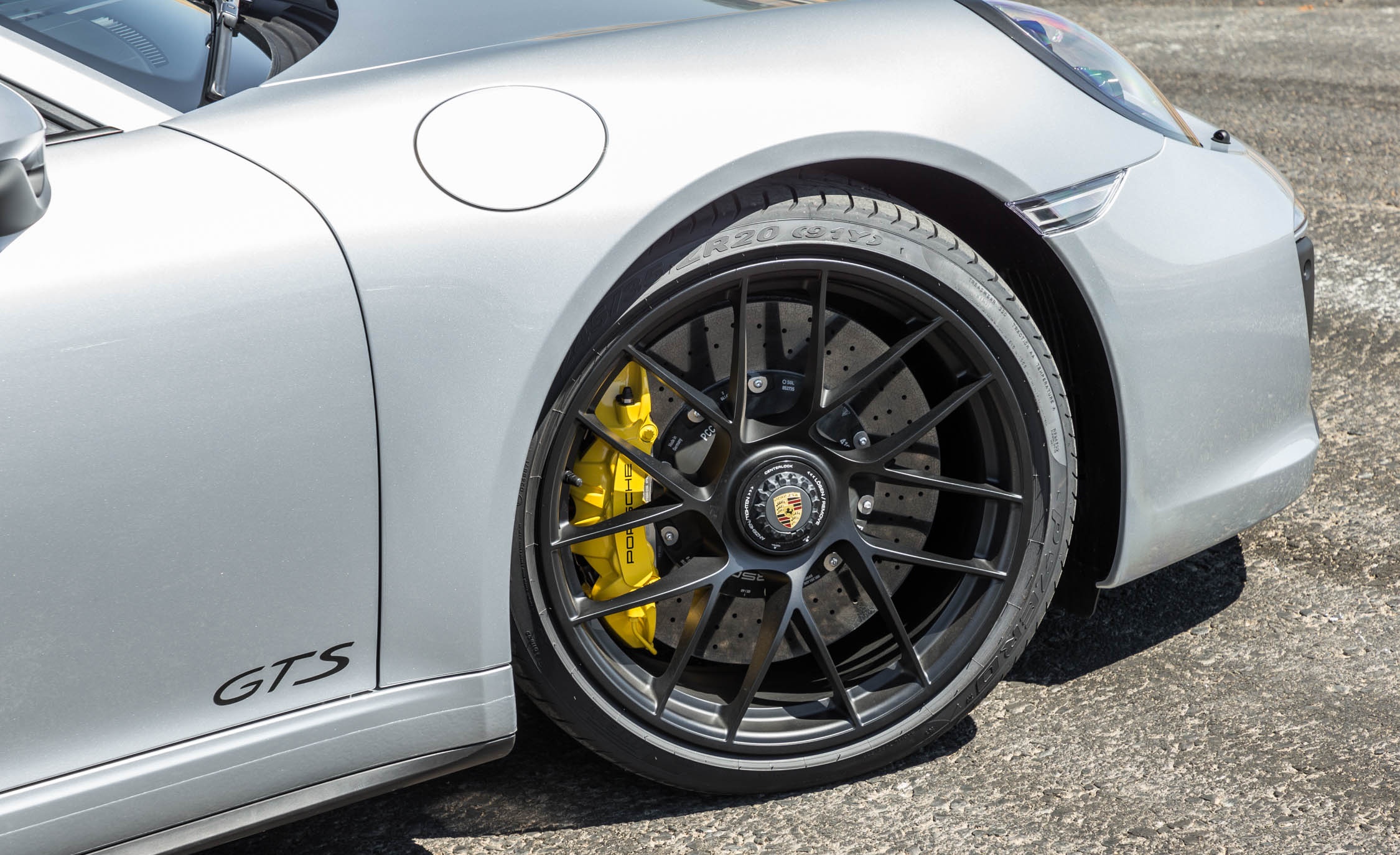2017 Porsche 911 Carrera GTS Coupe Exterior View Wheel (Photo 48 of 97)