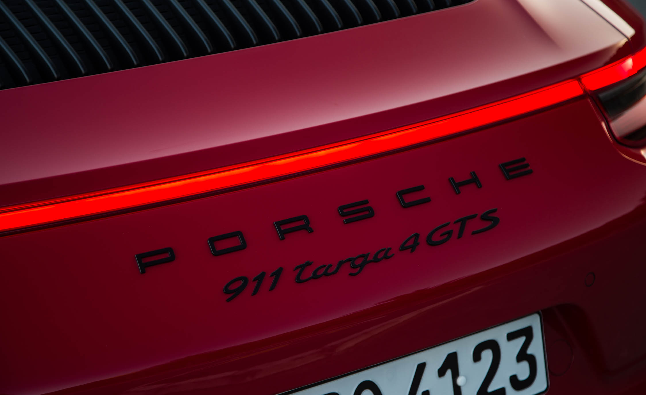 2017 Porsche 911 Targa 4 GTS Red Exterior View Rear Badge (Photo 80 of 97)
