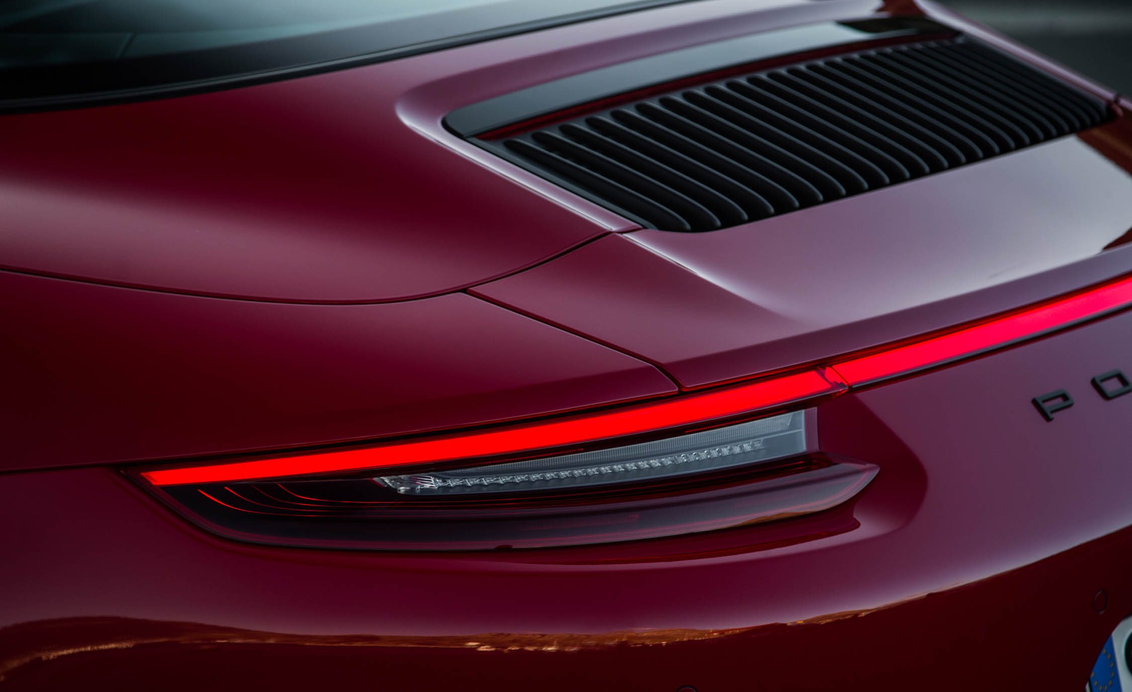 2017 Porsche 911 Targa 4 GTS Red Exterior View Taillight (Photo 83 of 97)