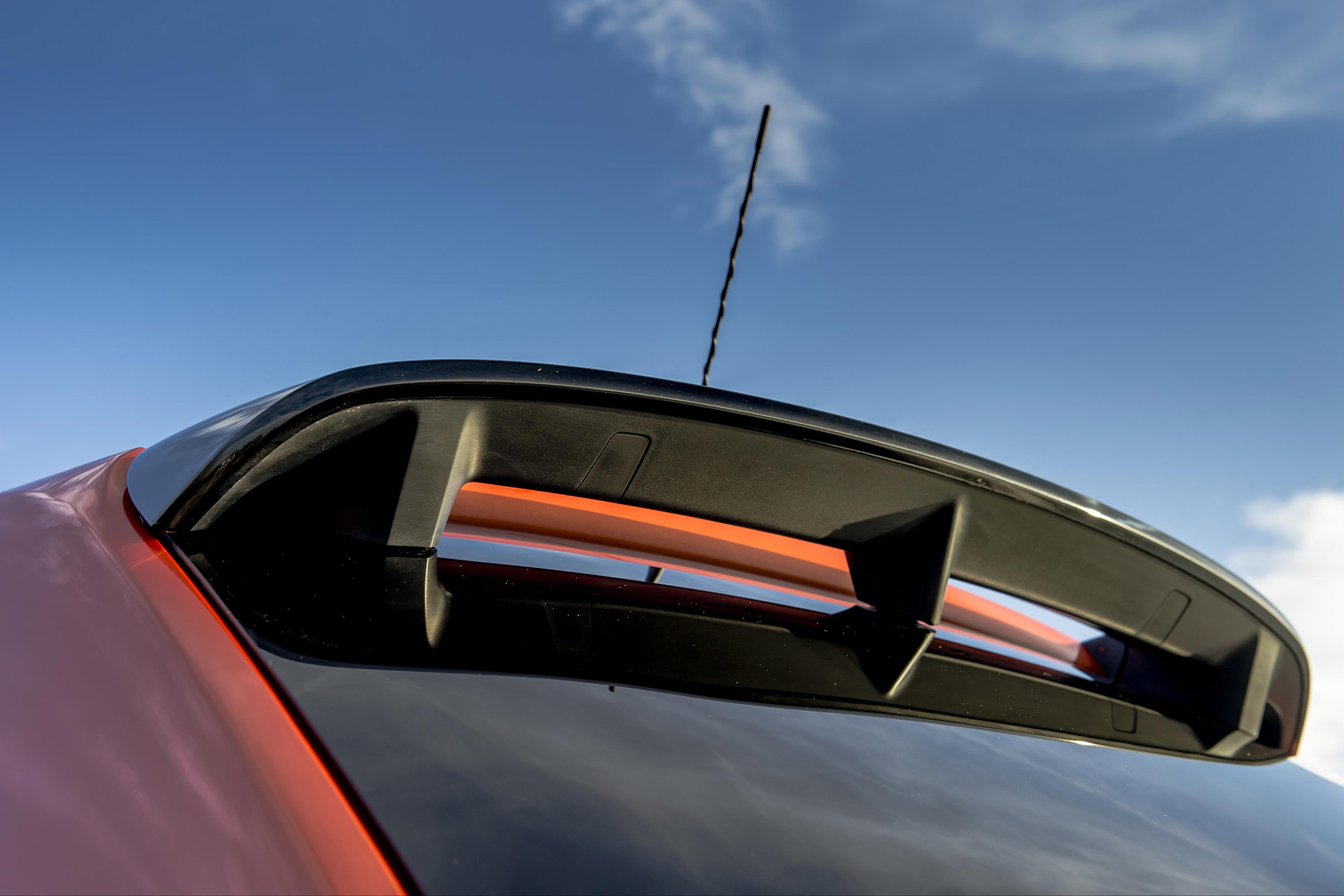 2017 Renault Twingo GT Exterior View Rear Spoiler (Photo 6 of 20)