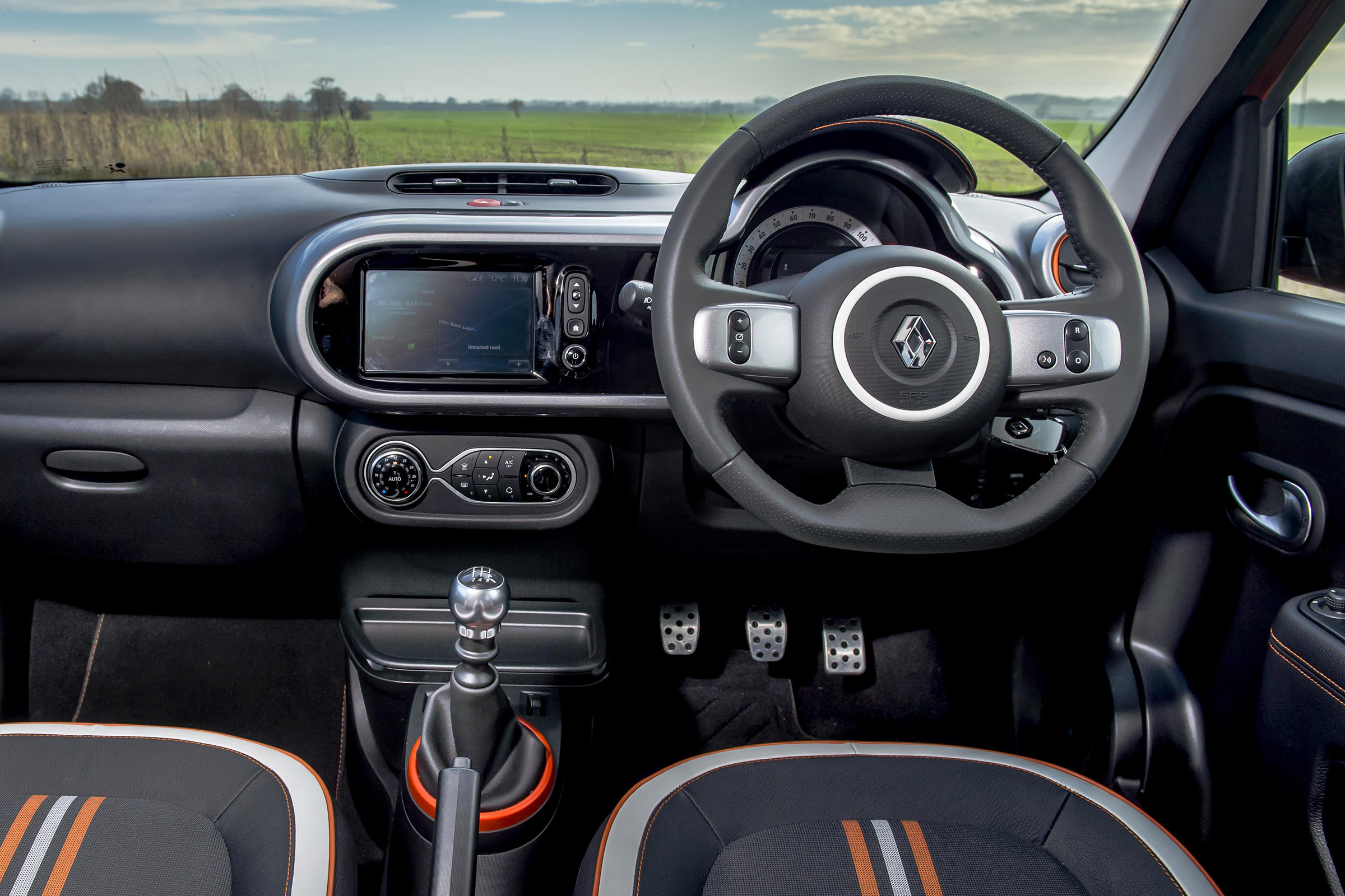 2017 Renault Twingo GT Interior View Driver Cockpit Steering (Photo 11 of 20)
