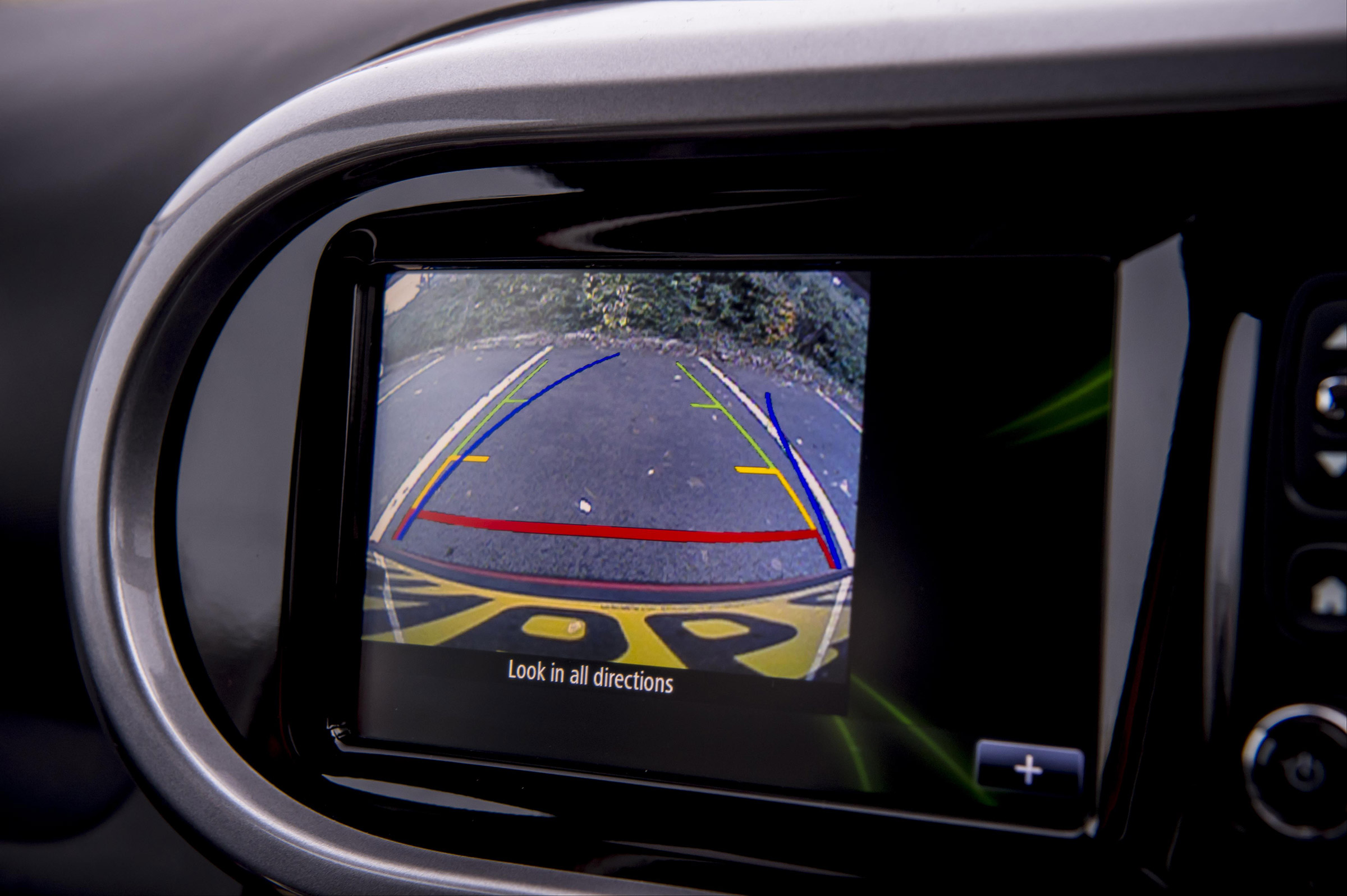 2017 Renault Twingo GT Interior View Rear Parking Camera (Photo 14 of 20)