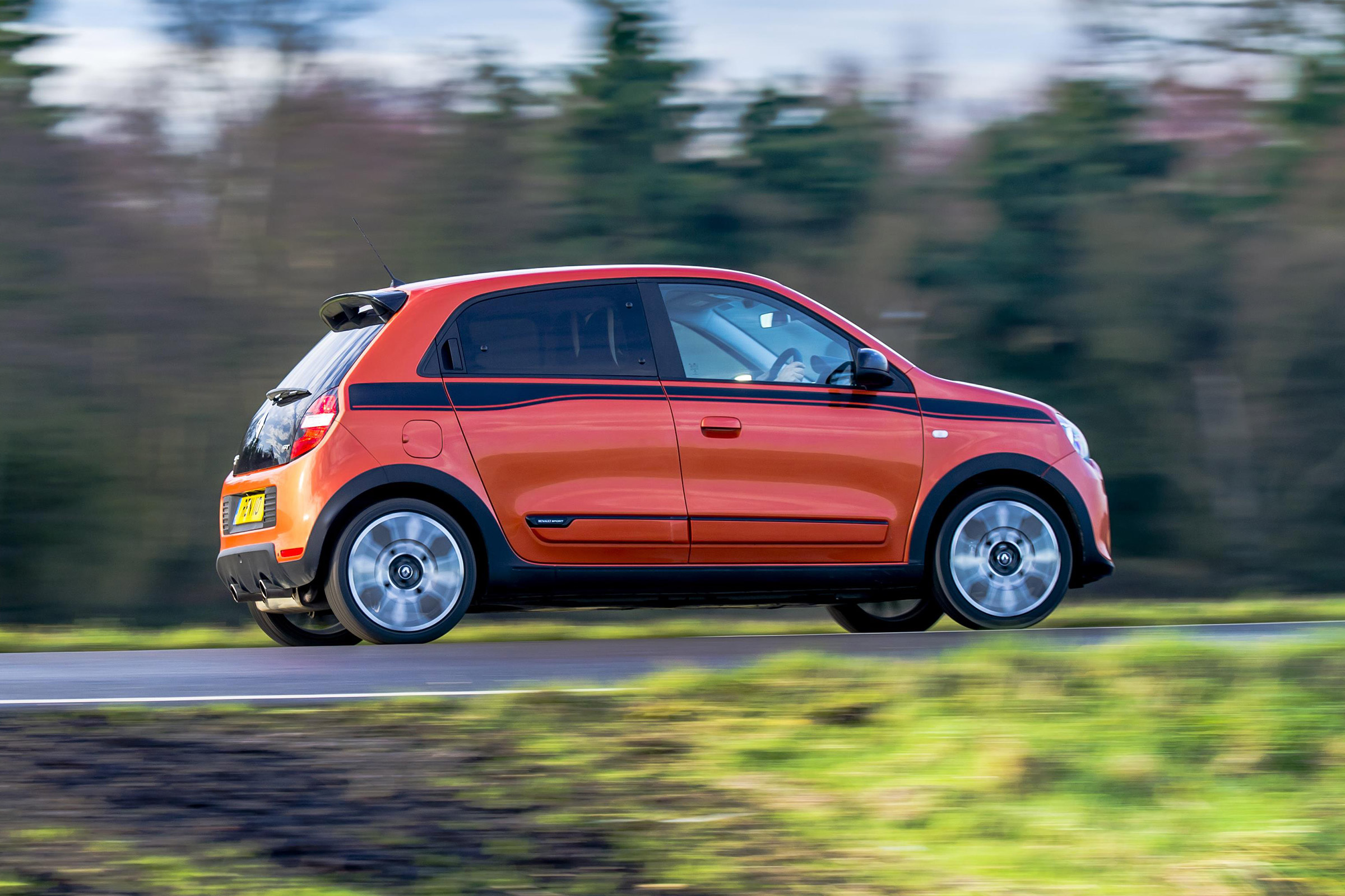 2017 Renault Twingo GT Test Drive Side View (Photo 20 of 20)