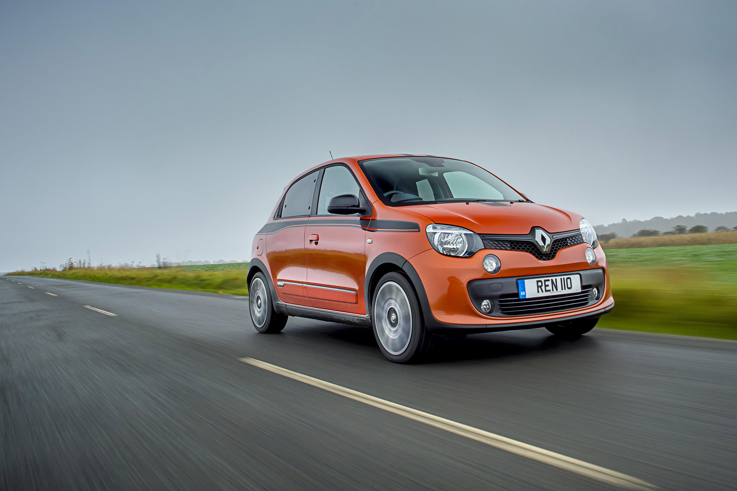 2017 Renault Twingo GT Test Drive (Photo 15 of 20)