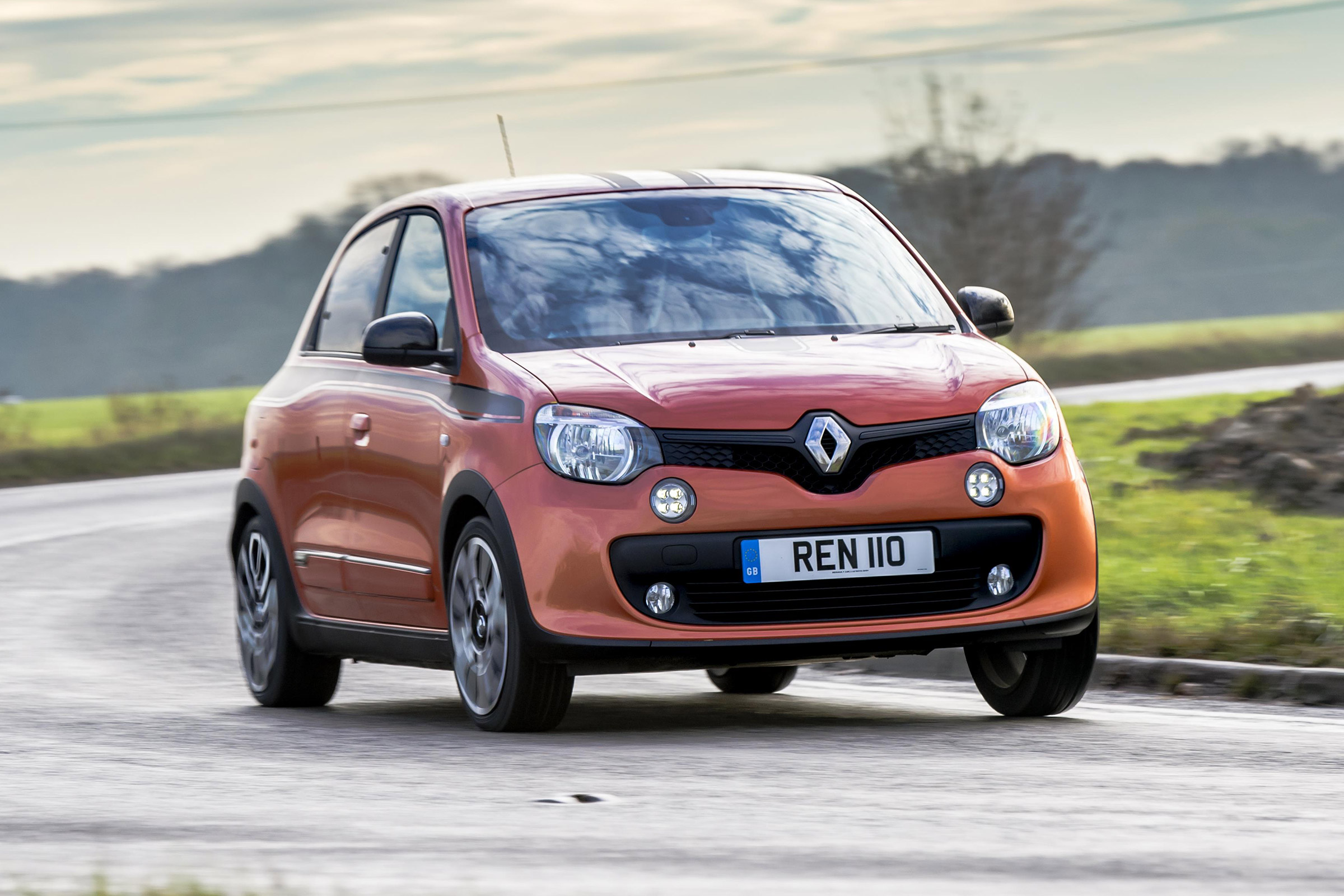 2017 Renault Twingo GT (Photo 1 of 20)