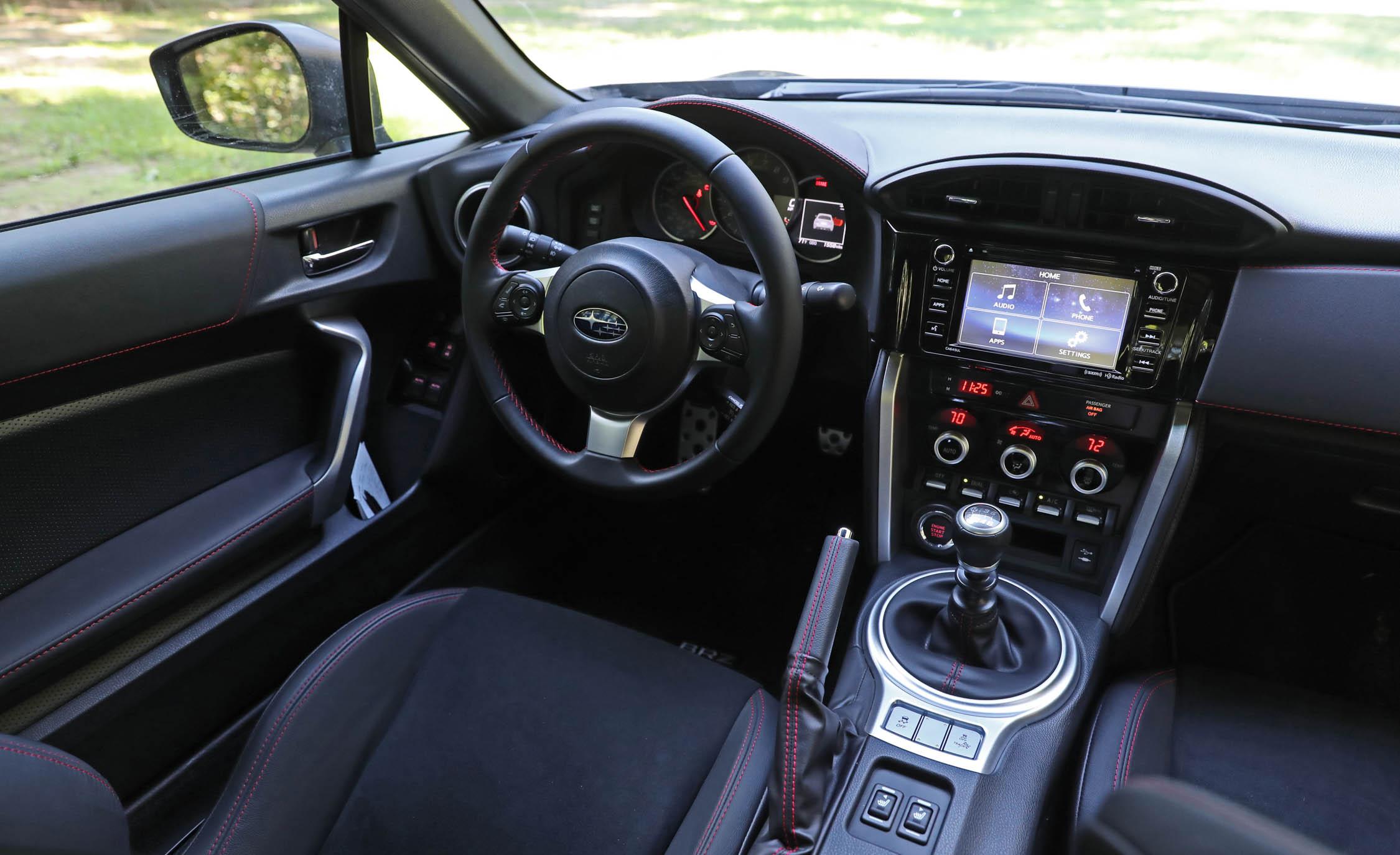 2017 Subaru BRZ Interior Driver Cockpit (Photo 18 of 27)