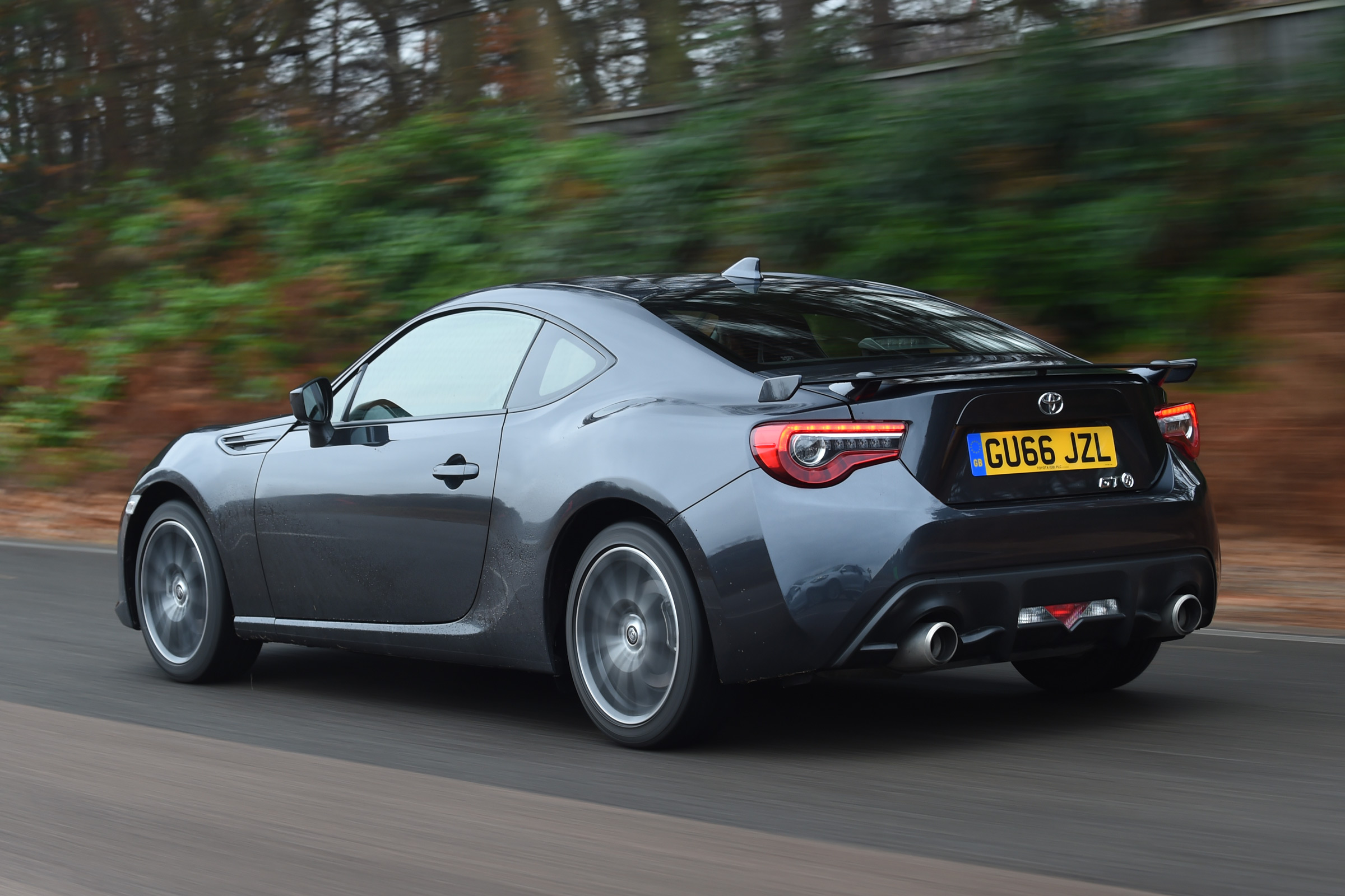 2017 Toyota GT86 Black Test Drive Rear And Side View (View 7 of 13)