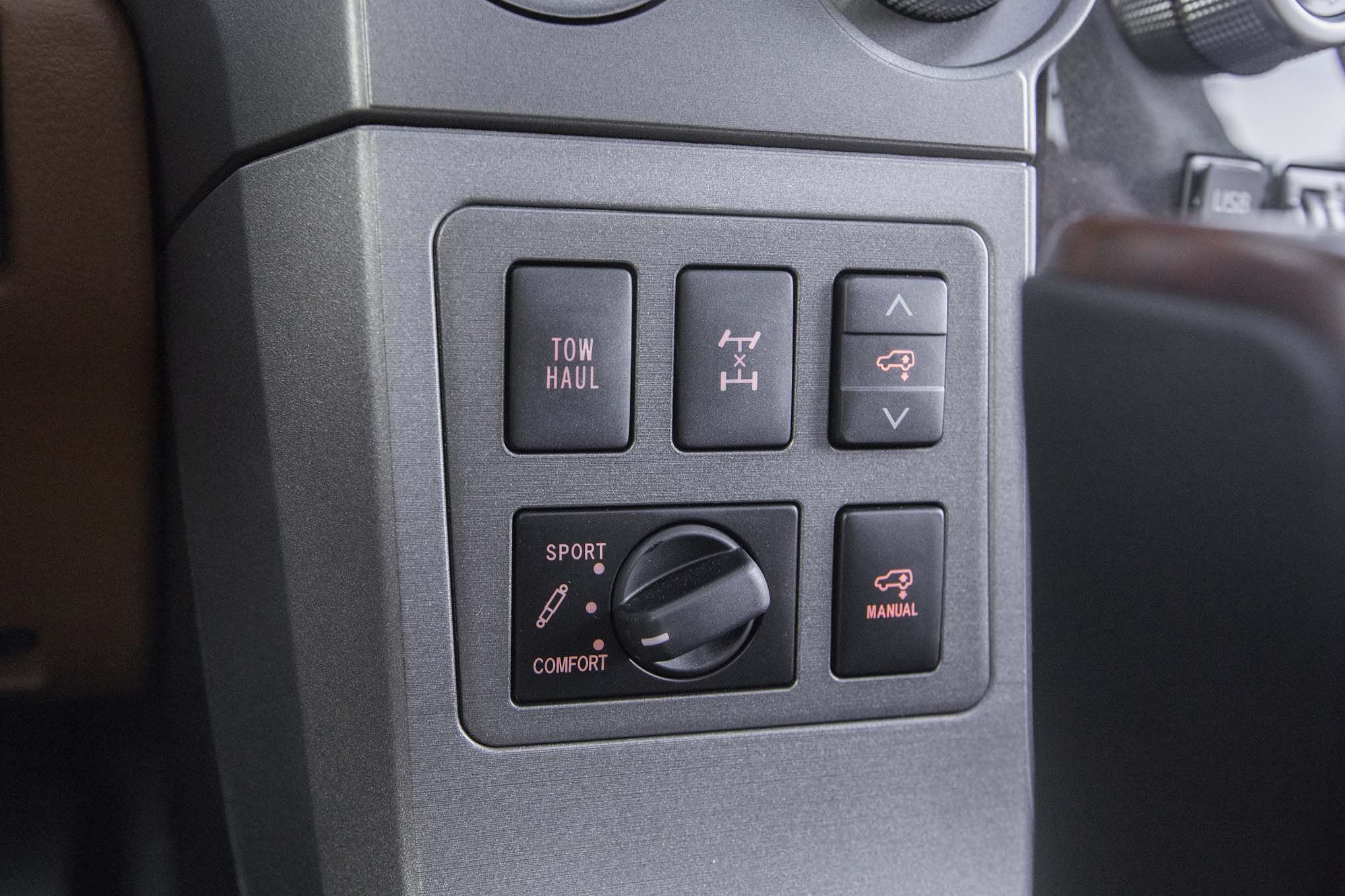 2017 Toyota Sequoia 4×4 Platinum Interior View Control Instrument (Photo 17 of 26)