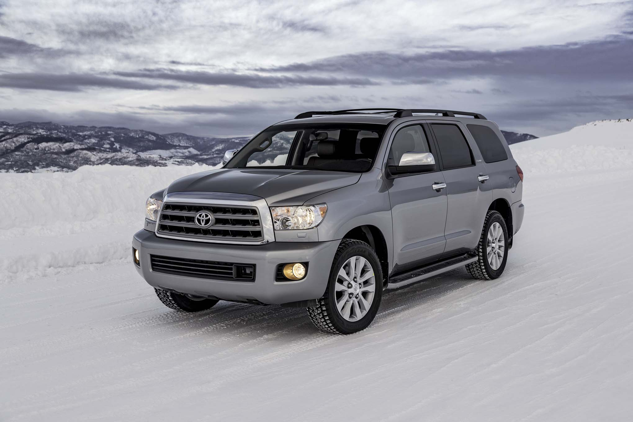 Featured Image of 2017 Toyota Sequoia