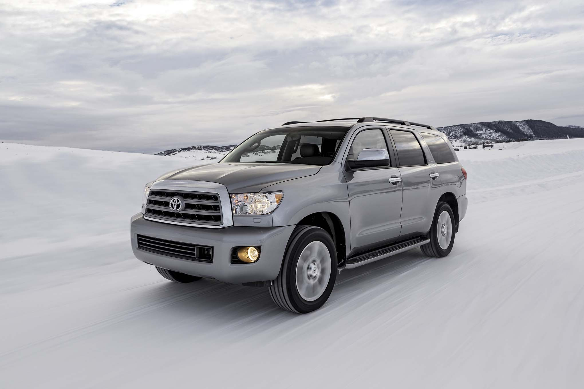 2017 Toyota Sequoia (Photo 1 of 26)