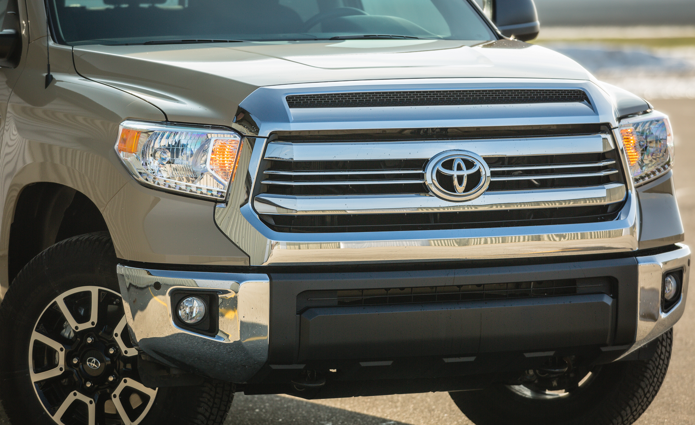 2017 Toyota Tundra Exterior View Front Bumper And Grille (View 20 of 24)