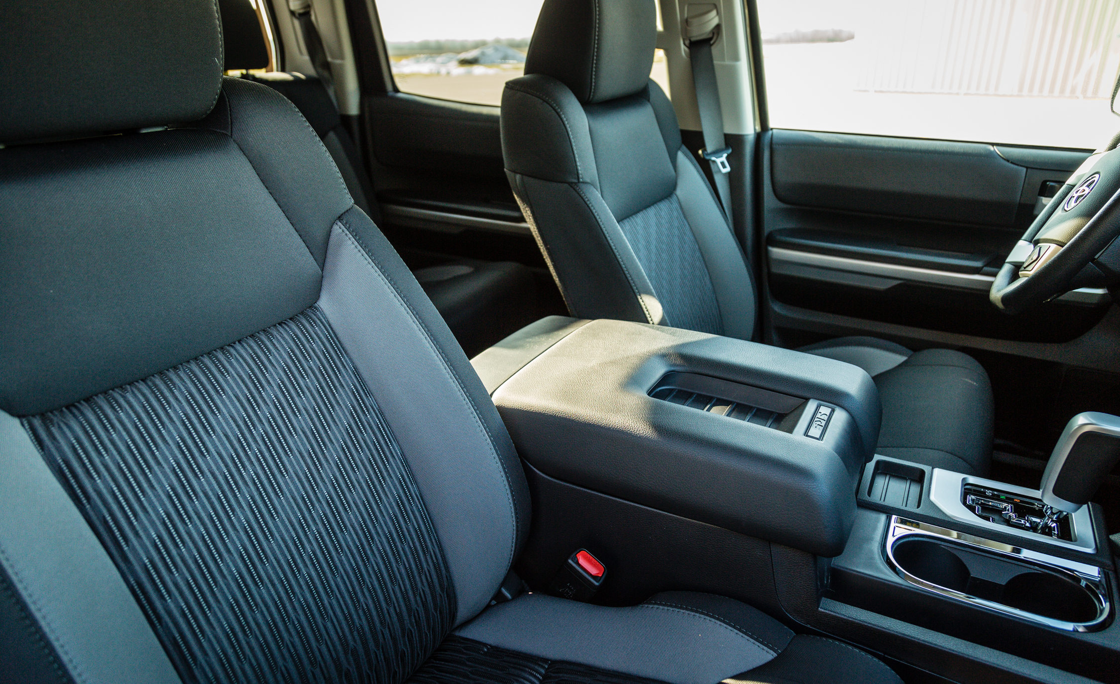 2017 Toyota Tundra Interior Seats Front (View 14 of 24)