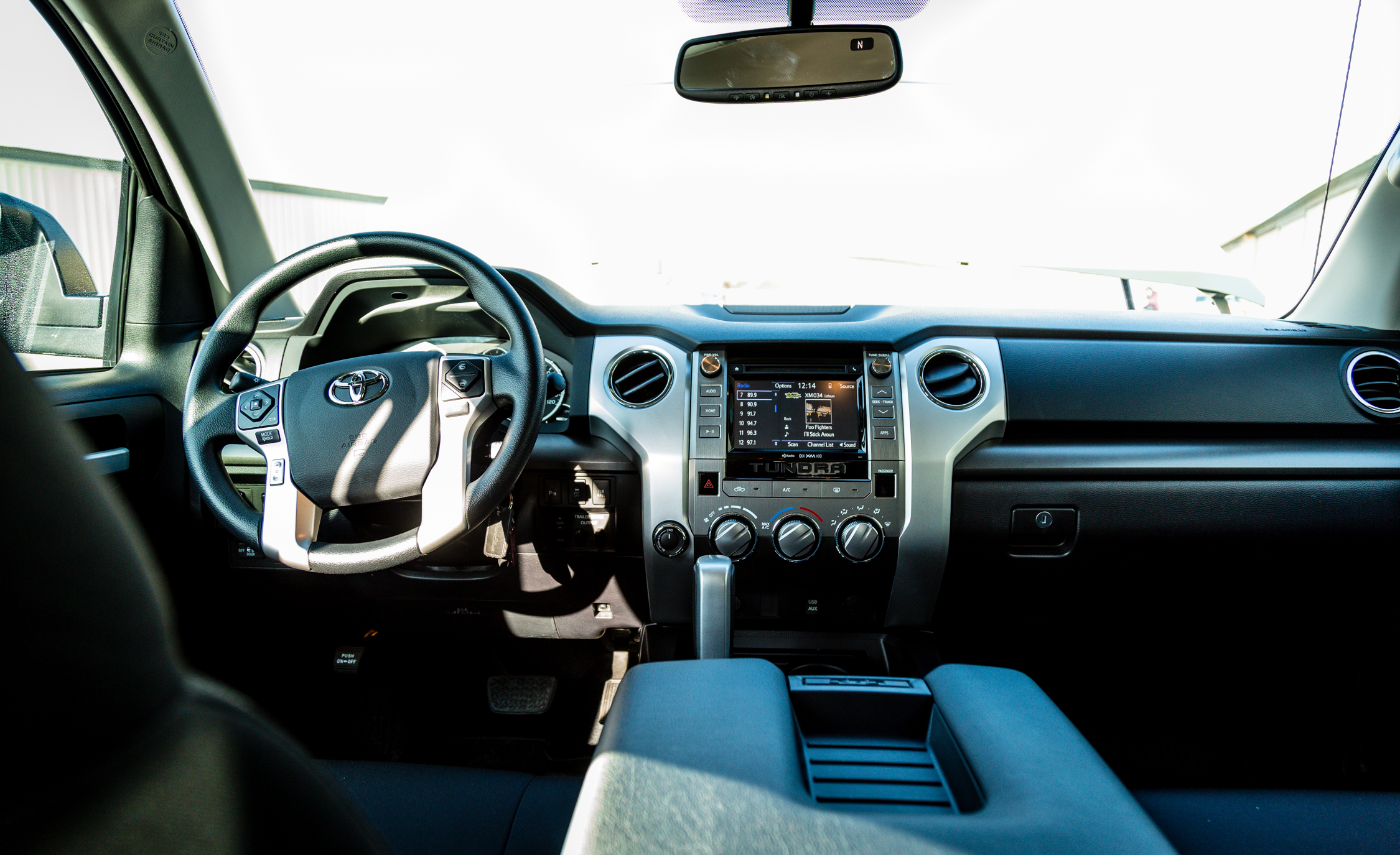 2017 Toyota Tundra Interior (Photo 7 of 24)