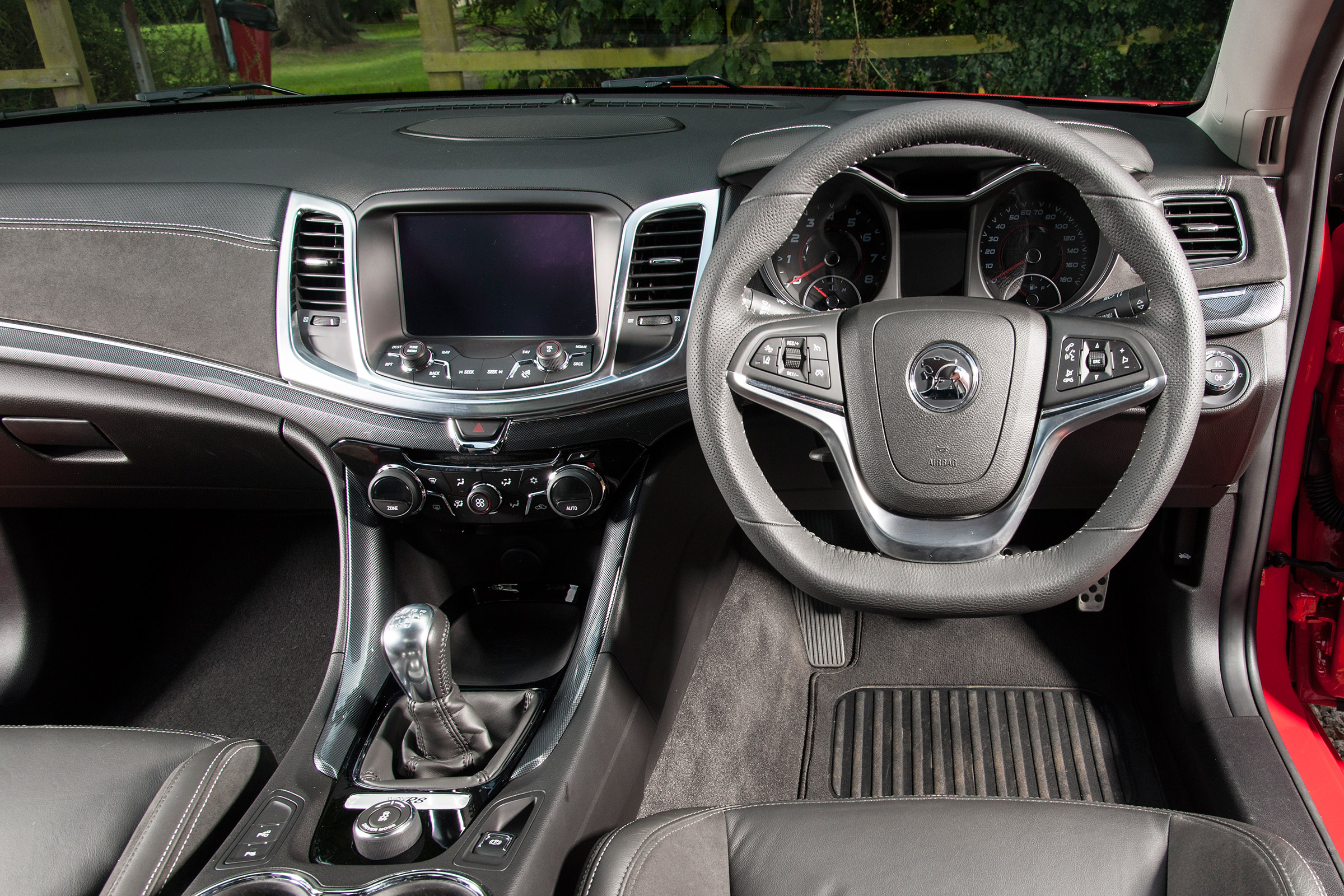 2017 Vauxhall VXR8 Maloo Interior Driver Cockpit Steering And Dash (Photo 20 of 26)