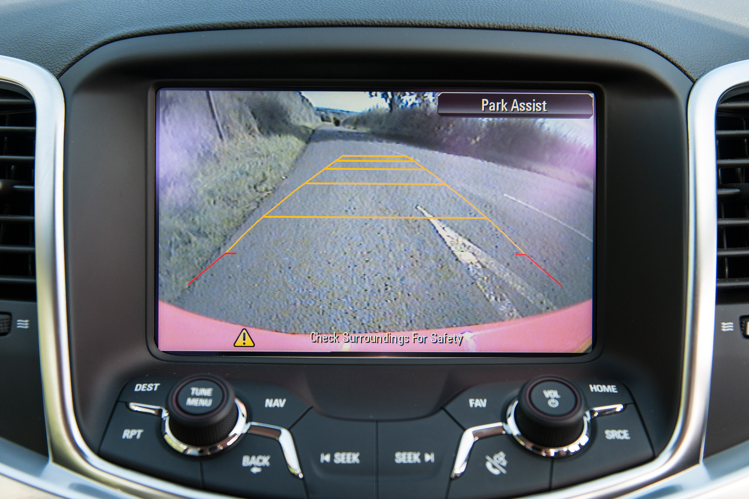 2017 Vauxhall VXR8 Maloo Interior View Rear Parking Camera (Photo 21 of 26)