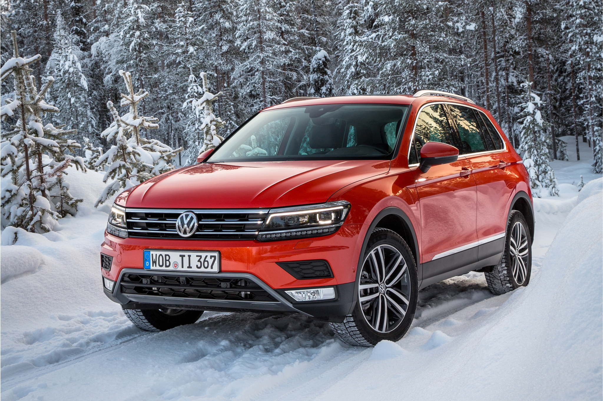2017 Volkswagen Tiguan  (Photo 1 of 27)