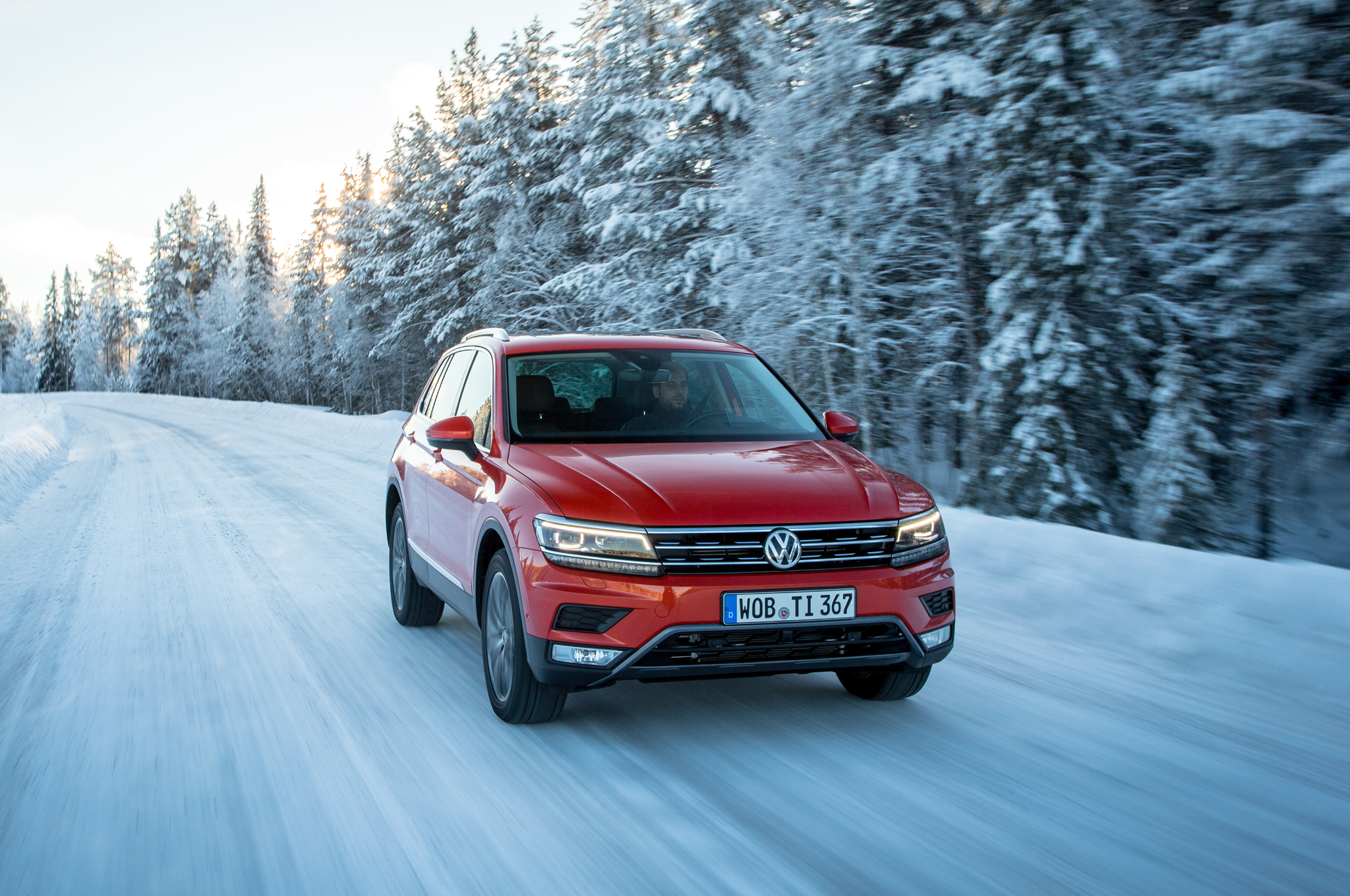 2017 Volkswagen Tiguan Test Drive Front (Photo 12 of 27)
