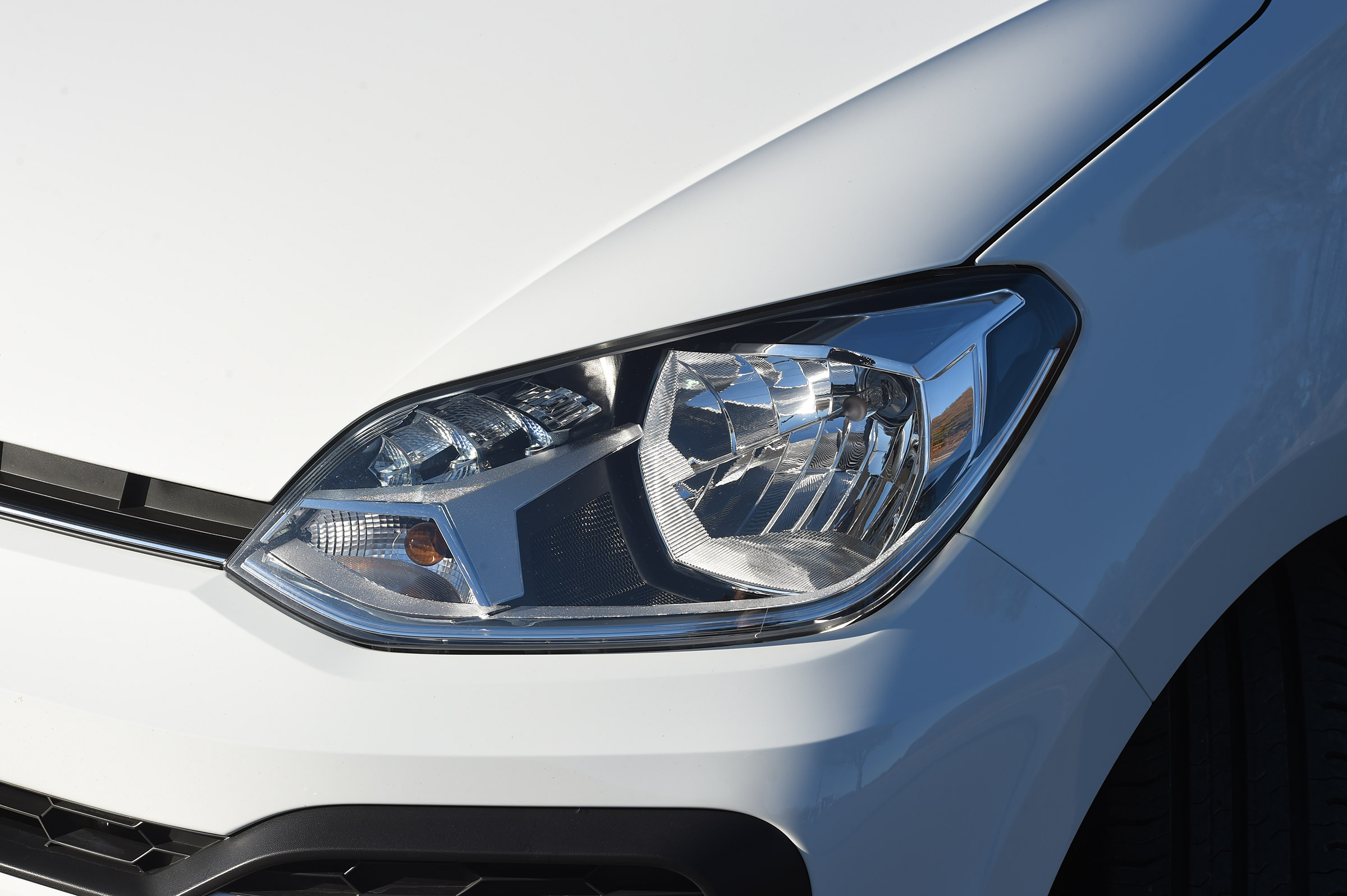 2017 Volkswagen Up Exterior White View Headlight (Photo 4 of 15)