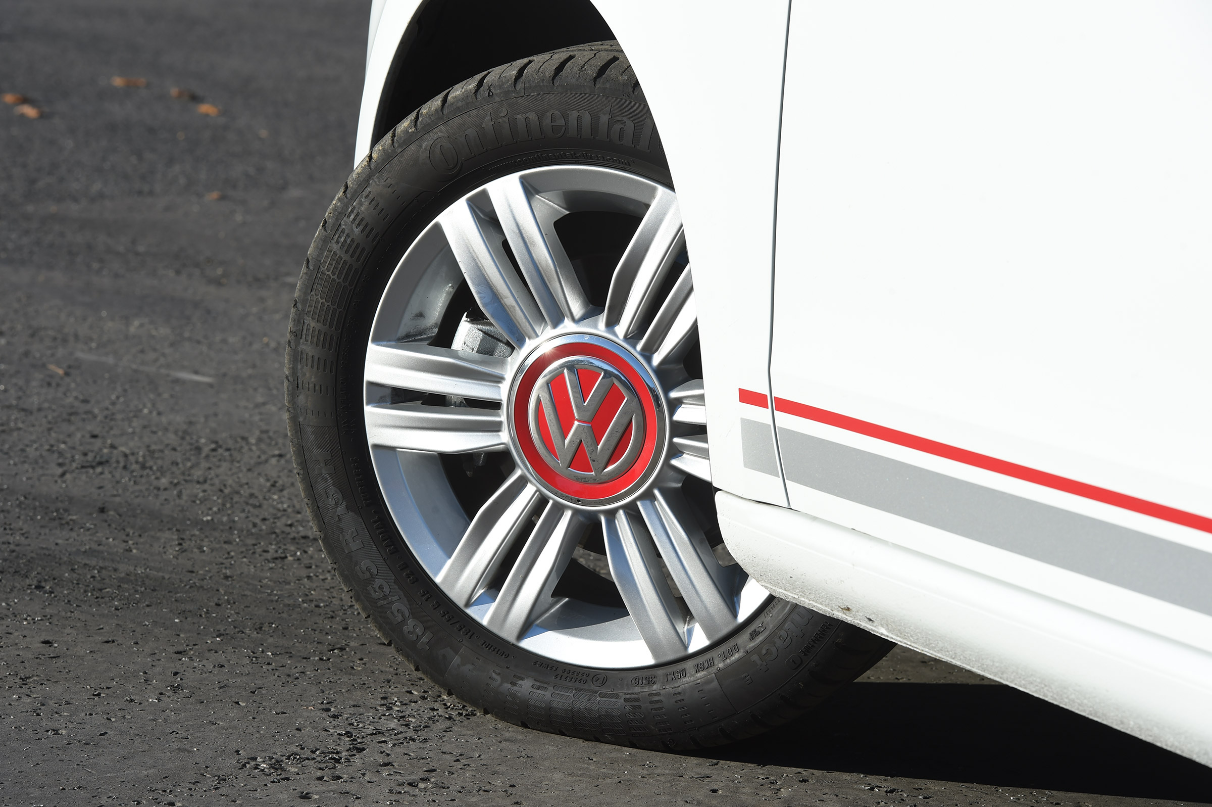 2017 Volkswagen Up Exterior White View Wheel Profile (Photo 6 of 15)