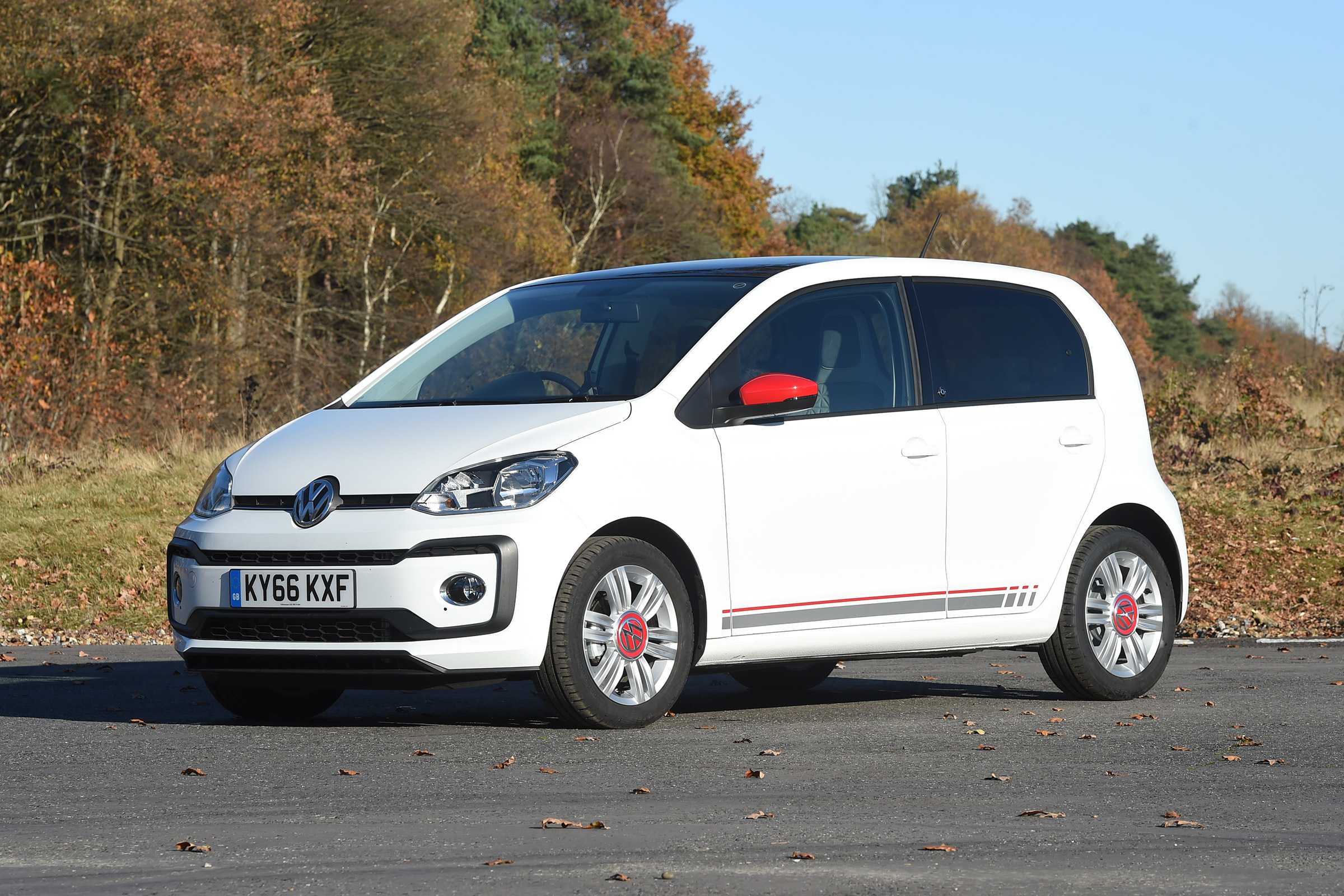 2017 Volkswagen Up Exterior White (Photo 2 of 15)