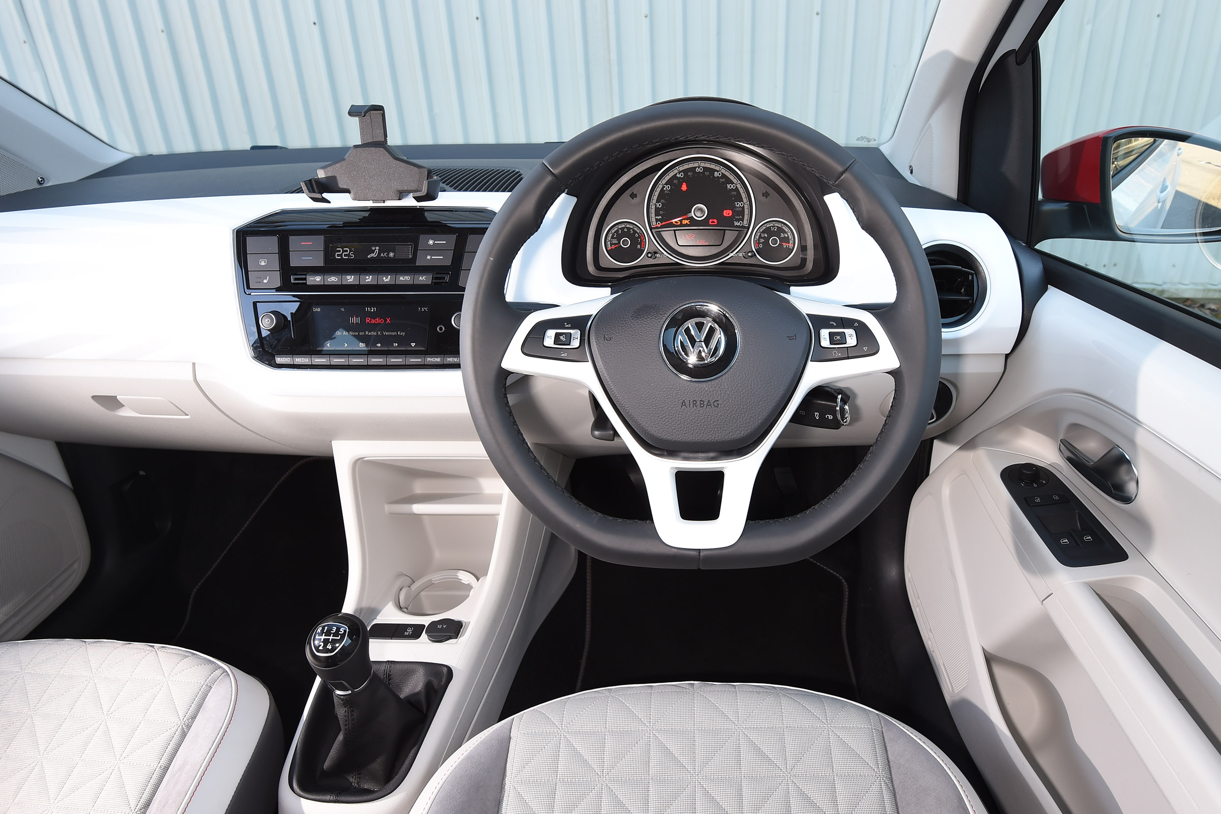 2017 Volkswagen Up Interior Driver Cockpit Steering And Dash (Photo 7 of 15)