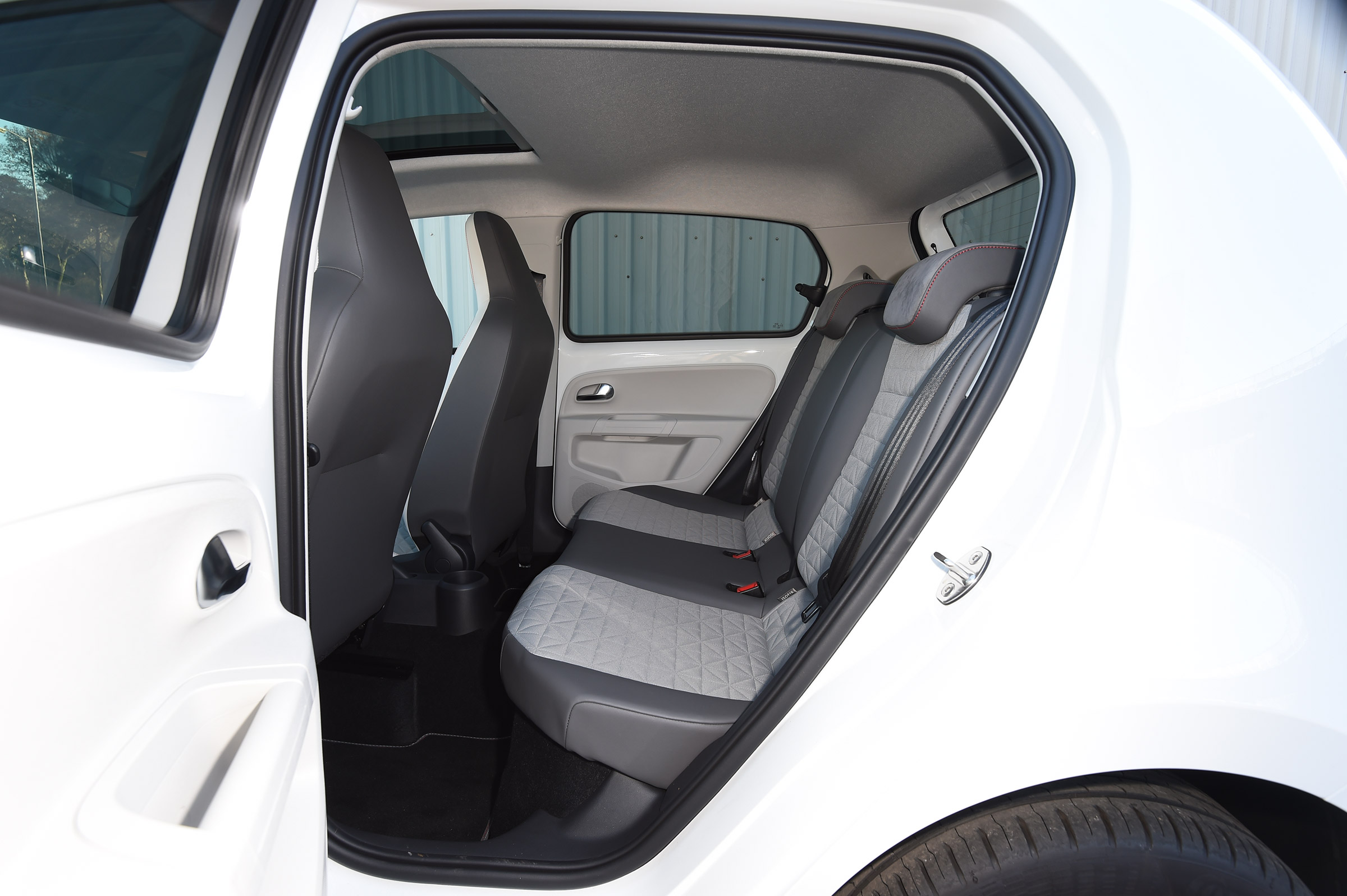 2017 Volkswagen Up Interior Seats Rear (Photo 8 of 15)