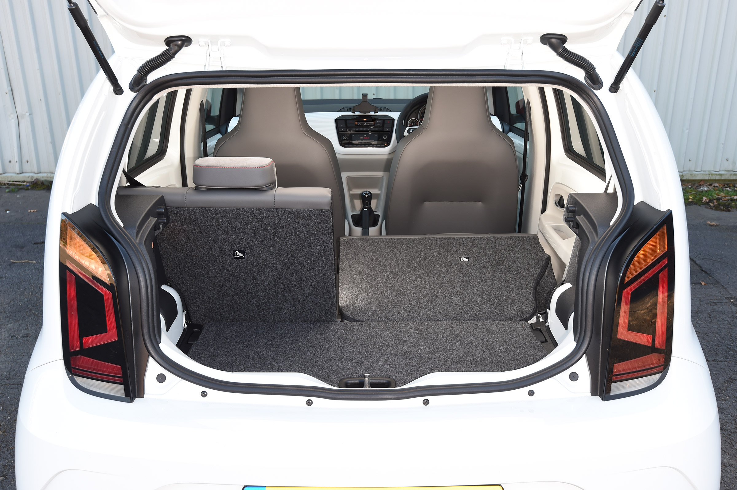 2017 Volkswagen Up Interior View Cargo (Photo 9 of 15)