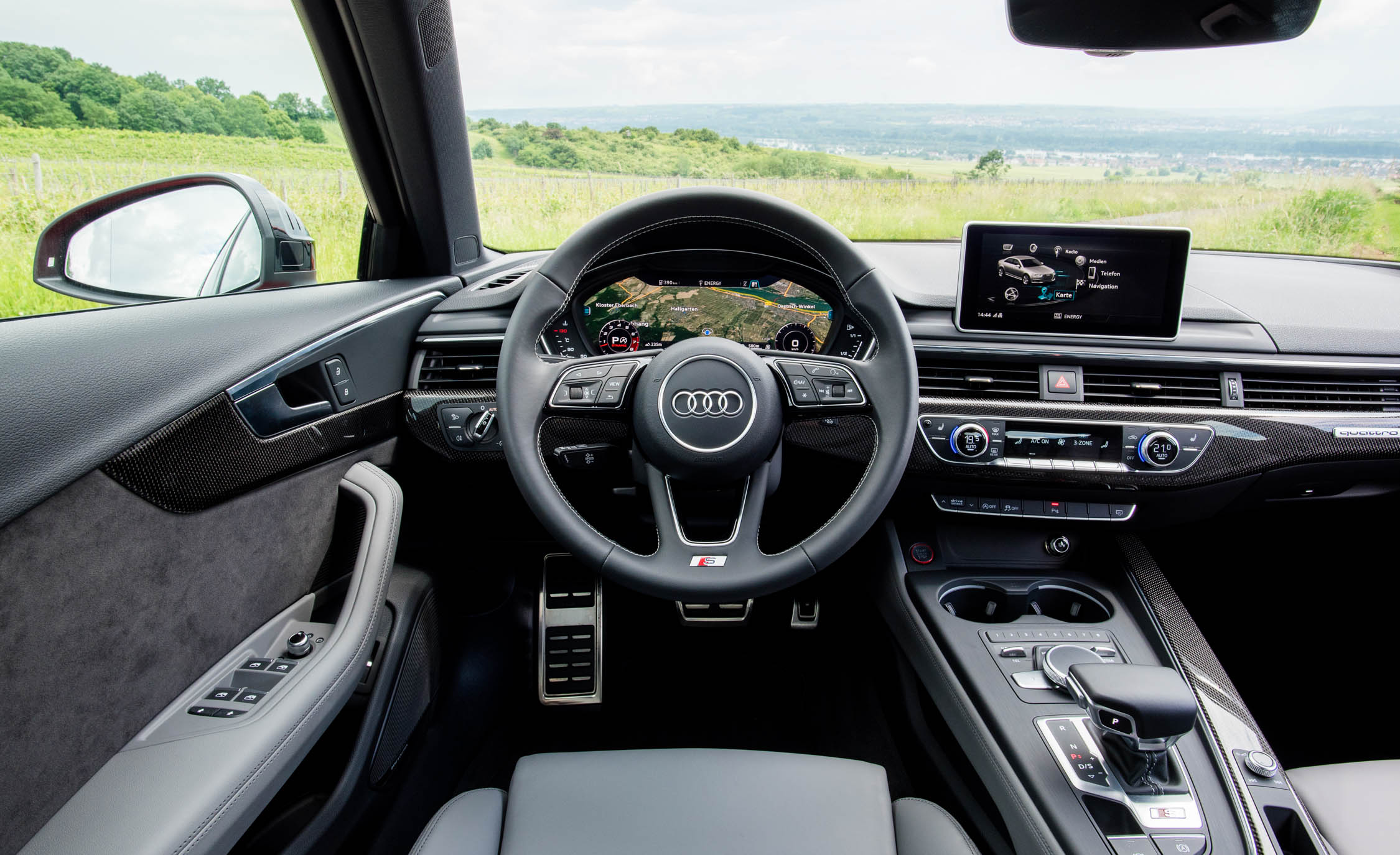 2018 Audi S4 Interior Steering And Speedometer (Photo 7 of 17)