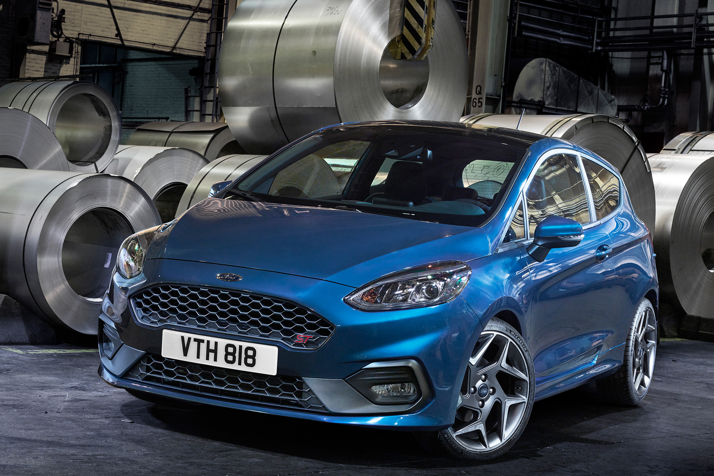 2018 Ford Fiesta ST Exterior Blue Metallic (Photo 2 of 14)