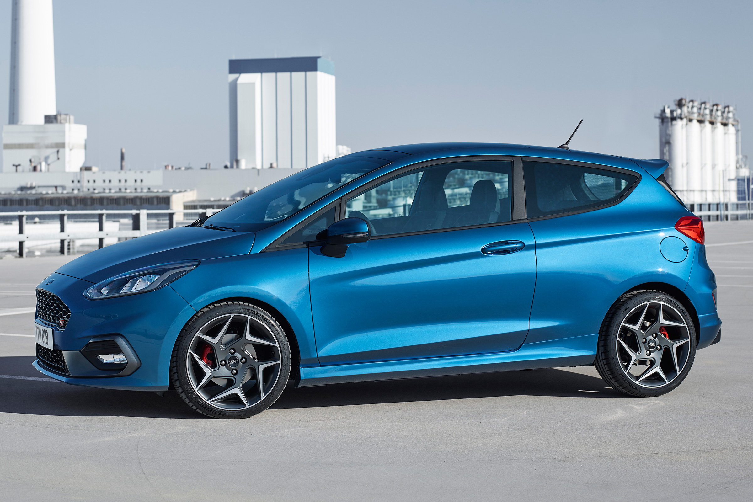 2018 Ford Fiesta ST Exterior Side And Front (Photo 7 of 14)