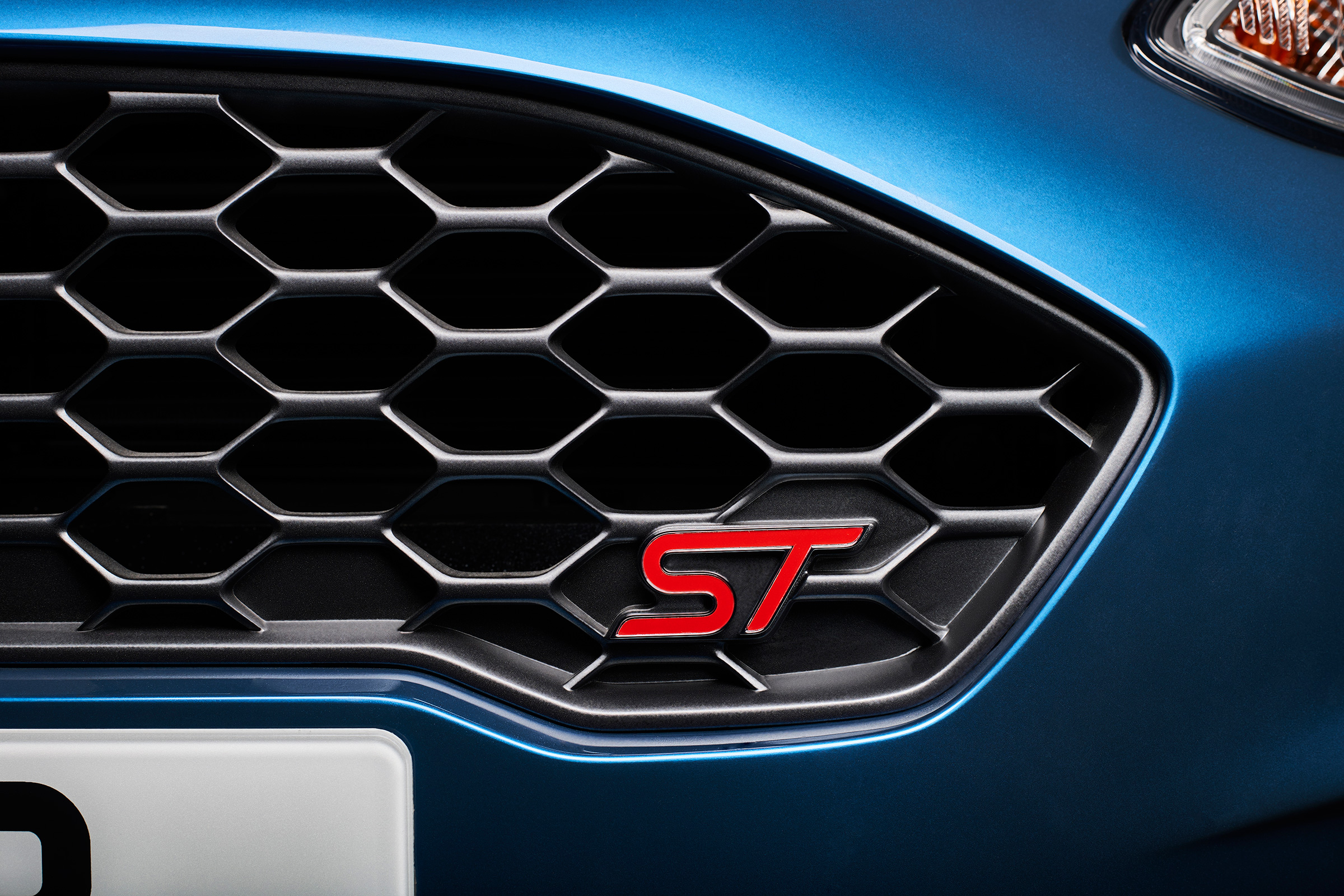 2018 Ford Fiesta ST Exterior View Grille And Badge (Photo 8 of 14)