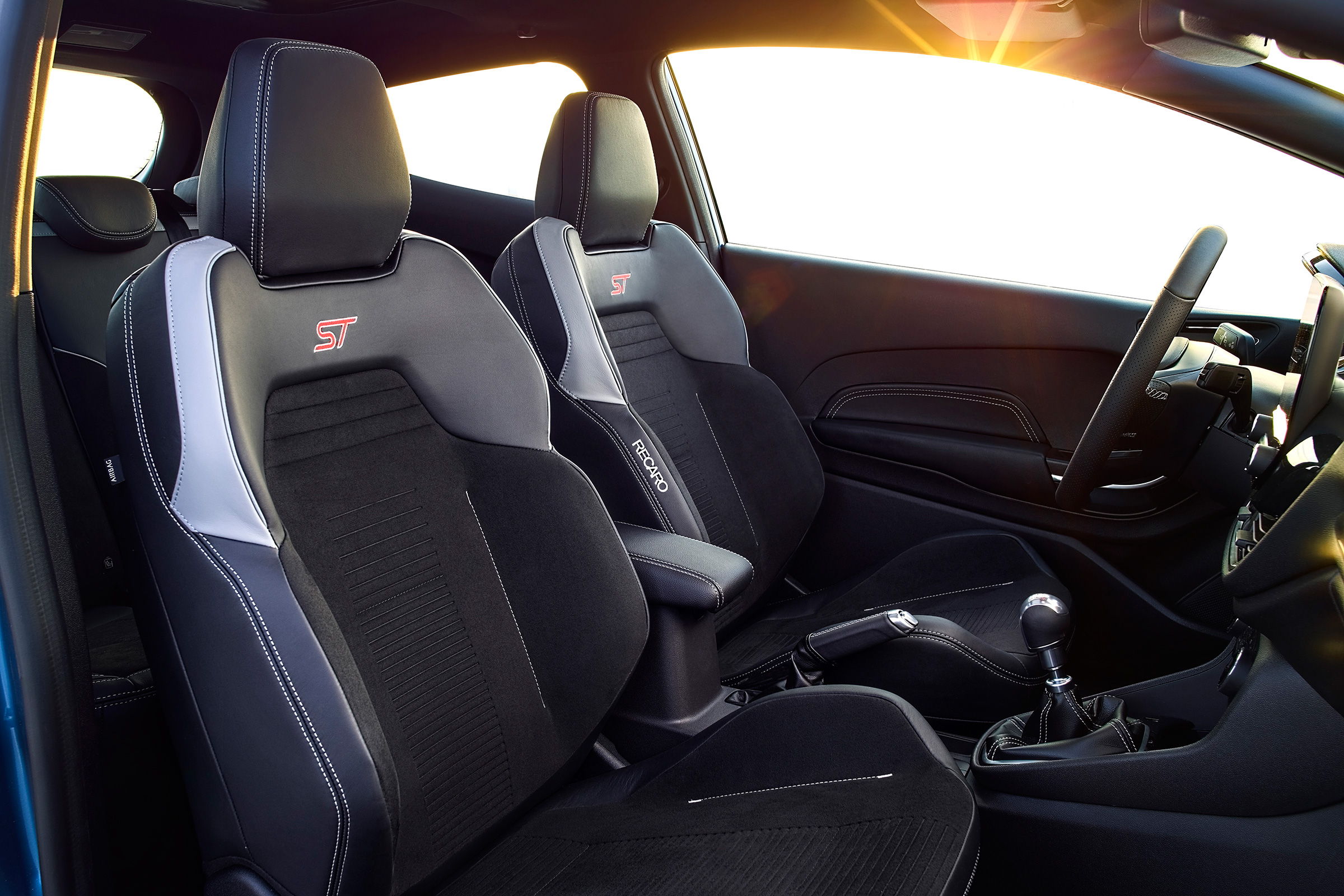 2018 Ford Fiesta ST Interior Seats Front (Photo 12 of 14)