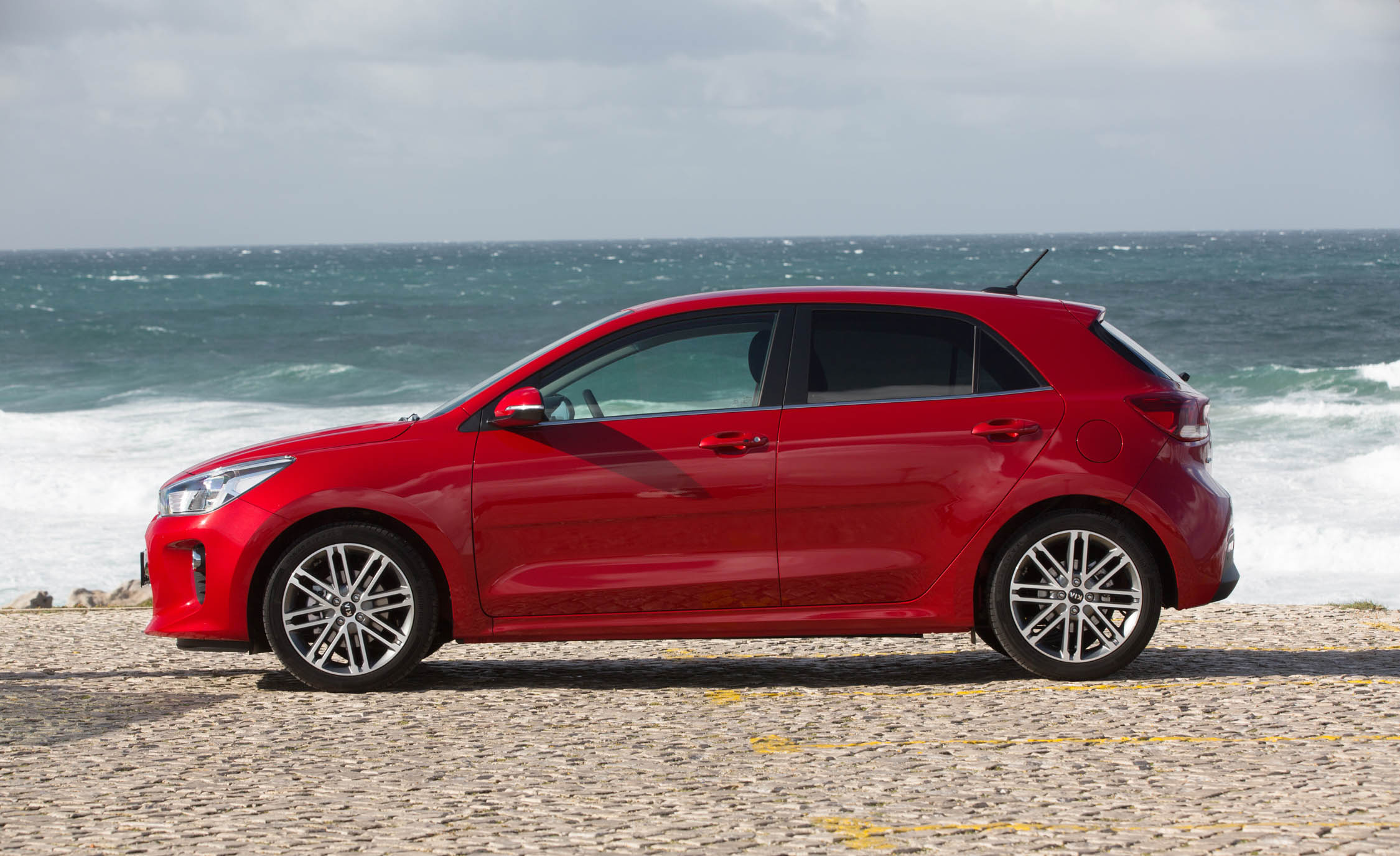 2018 Kia Rio Hatchback Red Exterior Side (View 10 of 49)
