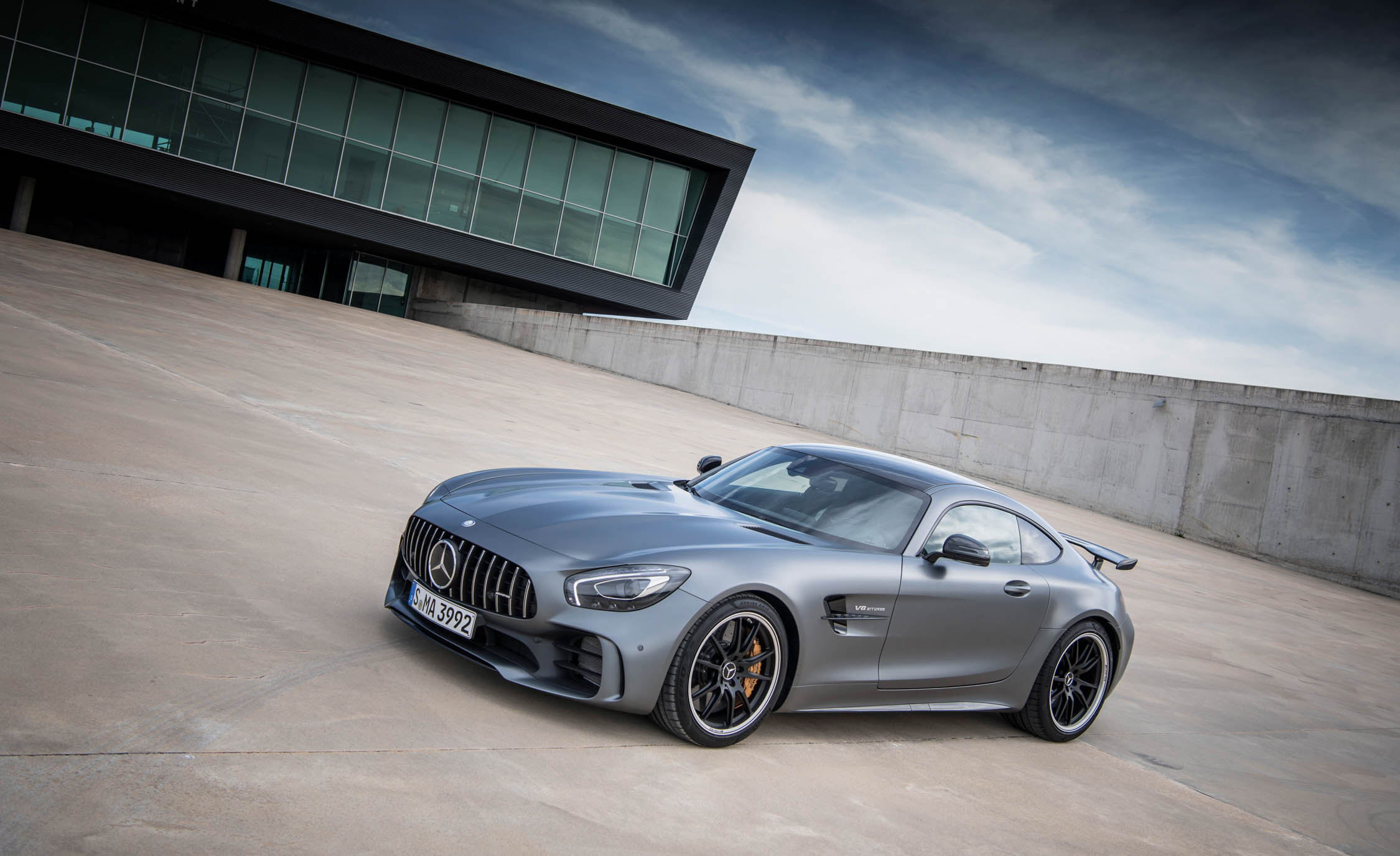 2018 Mercedes AMG GT R Exterior Grey Metallic Front And Side (Photo 9 of 36)