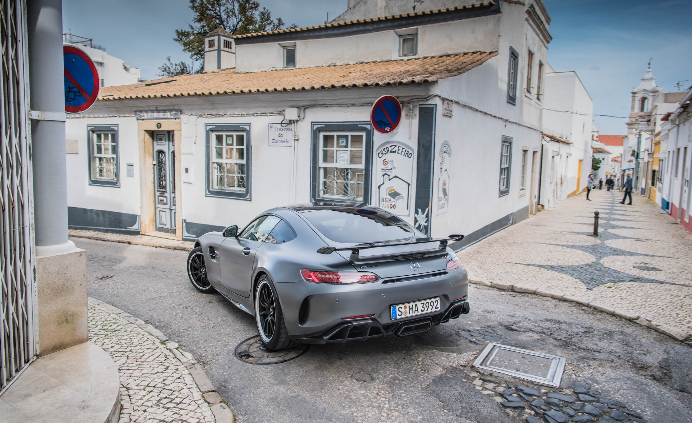 2018 Mercedes AMG GT R Exterior Grey Metallic Rear View (Photo 10 of 36)