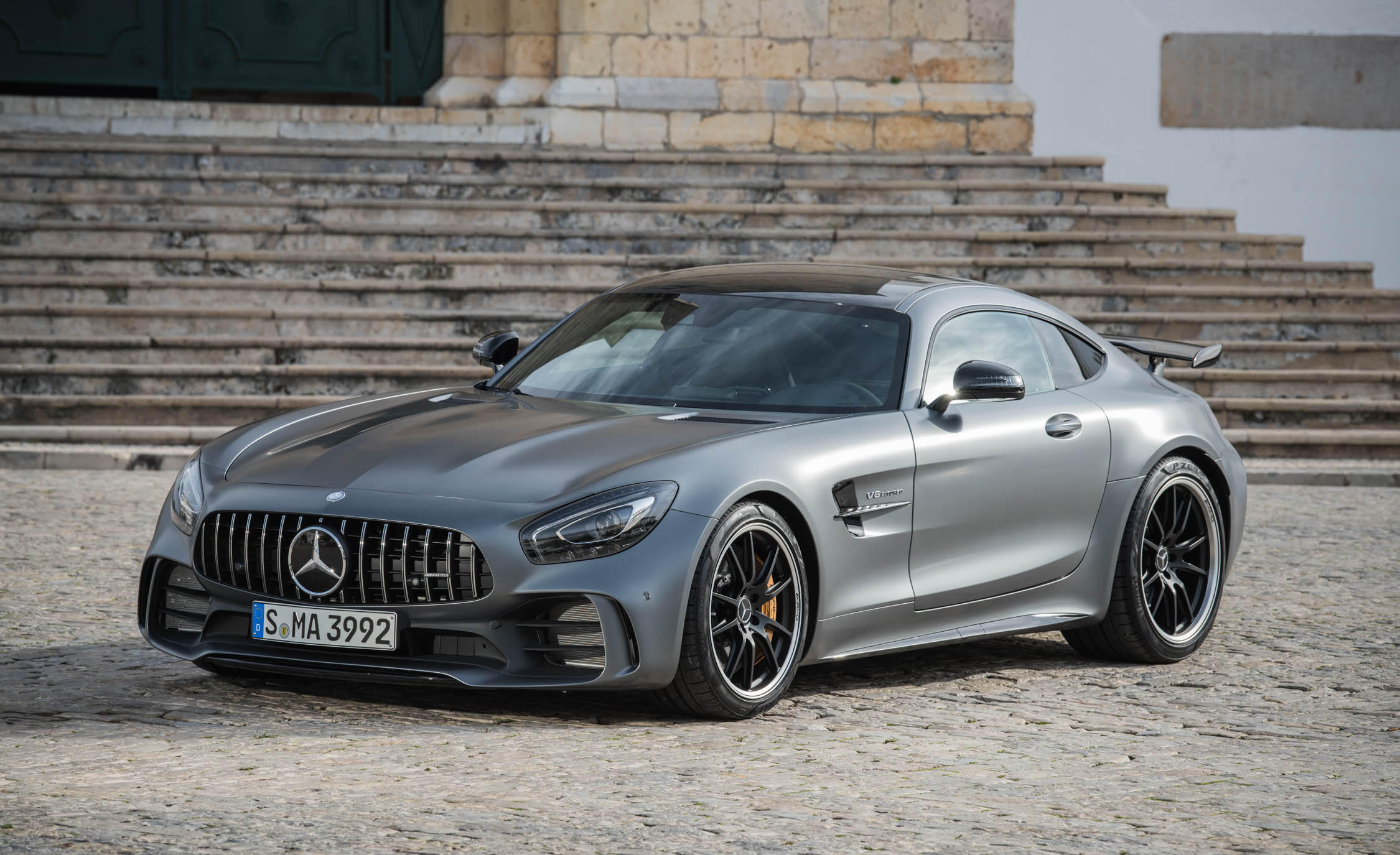 2018 Mercedes AMG GT R Exterior Grey Metallic (Photo 8 of 36)