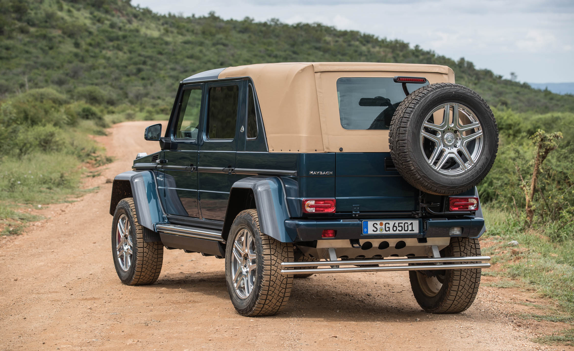 2018 Mercedes Maybach G650 Landaulet Exterior Side And Rear (Photo 45 of 52)