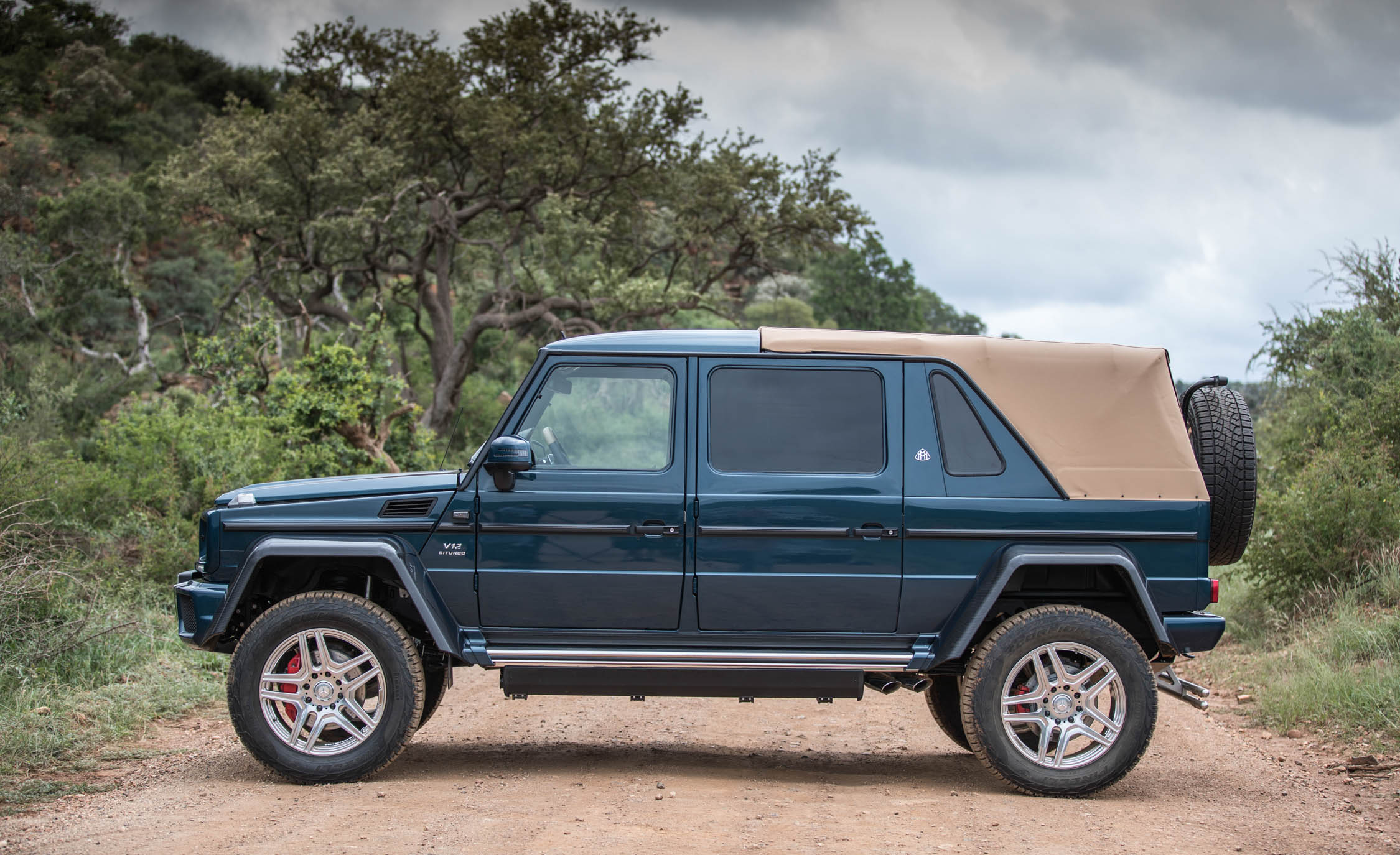2018 Mercedes Maybach G650 Landaulet Exterior Side (Photo 46 of 52)