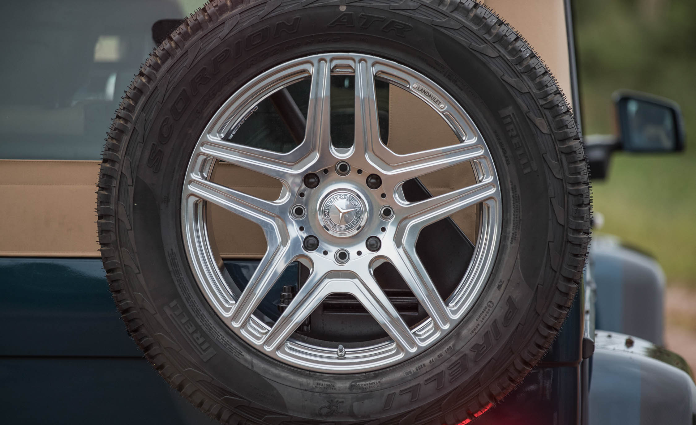 2018 Mercedes Maybach G650 Landaulet Exterior View Rear Spare Mounted Wheel (Photo 14 of 52)