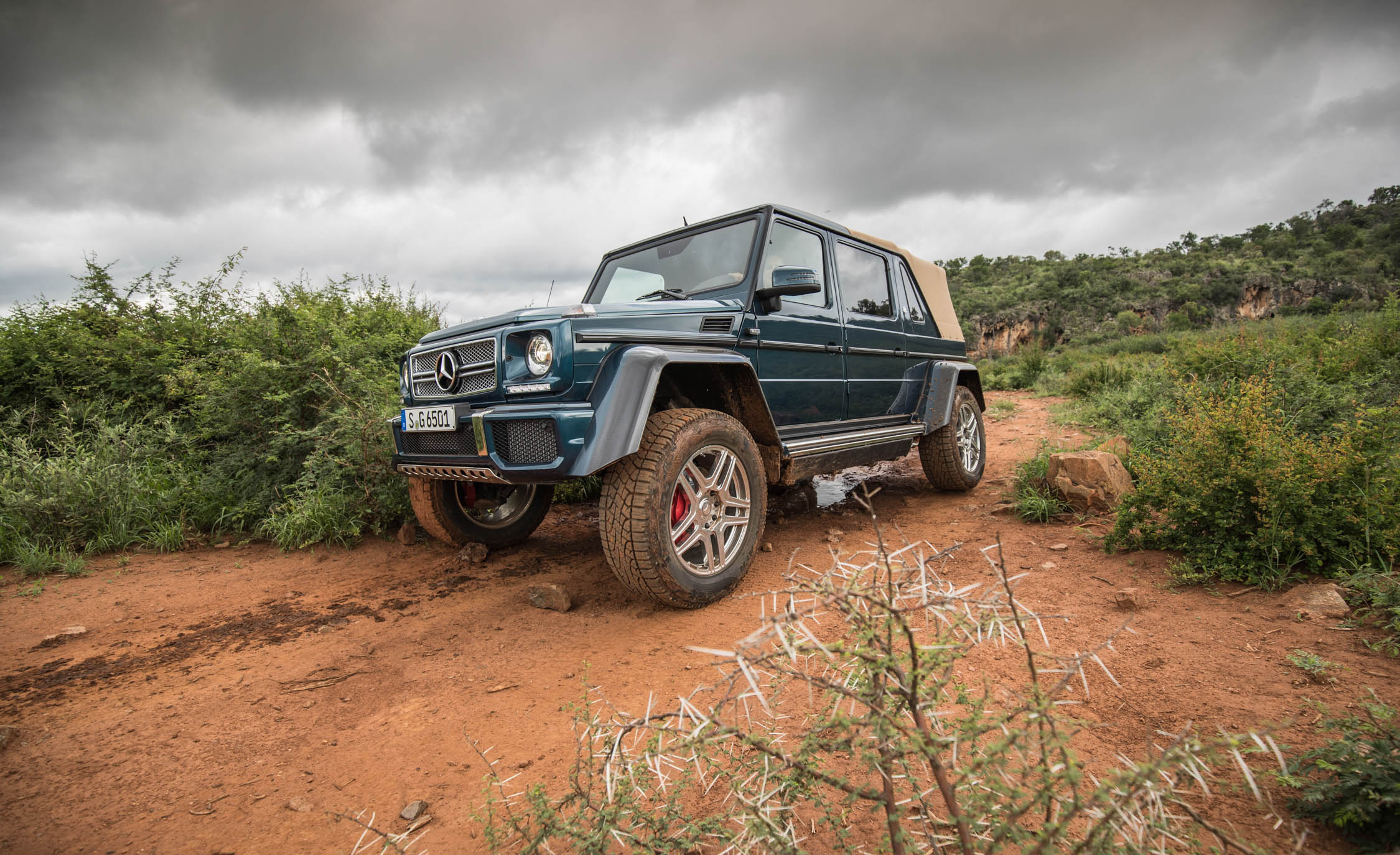 2018 Mercedes Maybach G650 Landaulet Off Road Test Front And Side View (Photo 29 of 52)