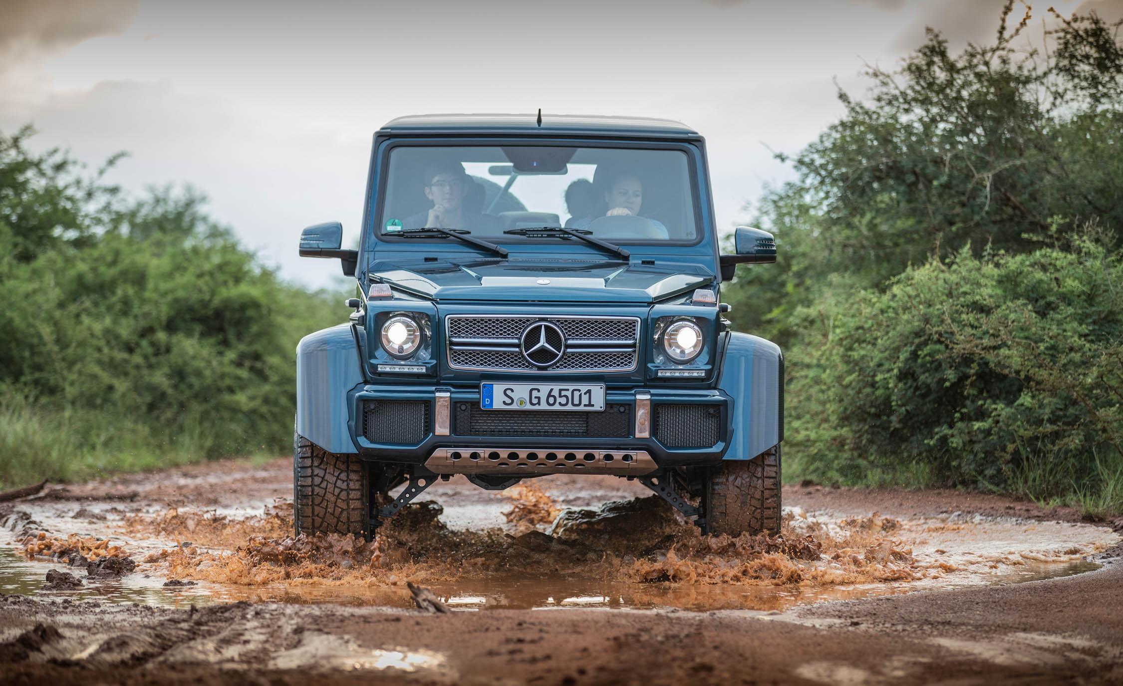 2018 Mercedes Maybach G650 Landaulet Off Road Test Front View (Photo 30 of 52)