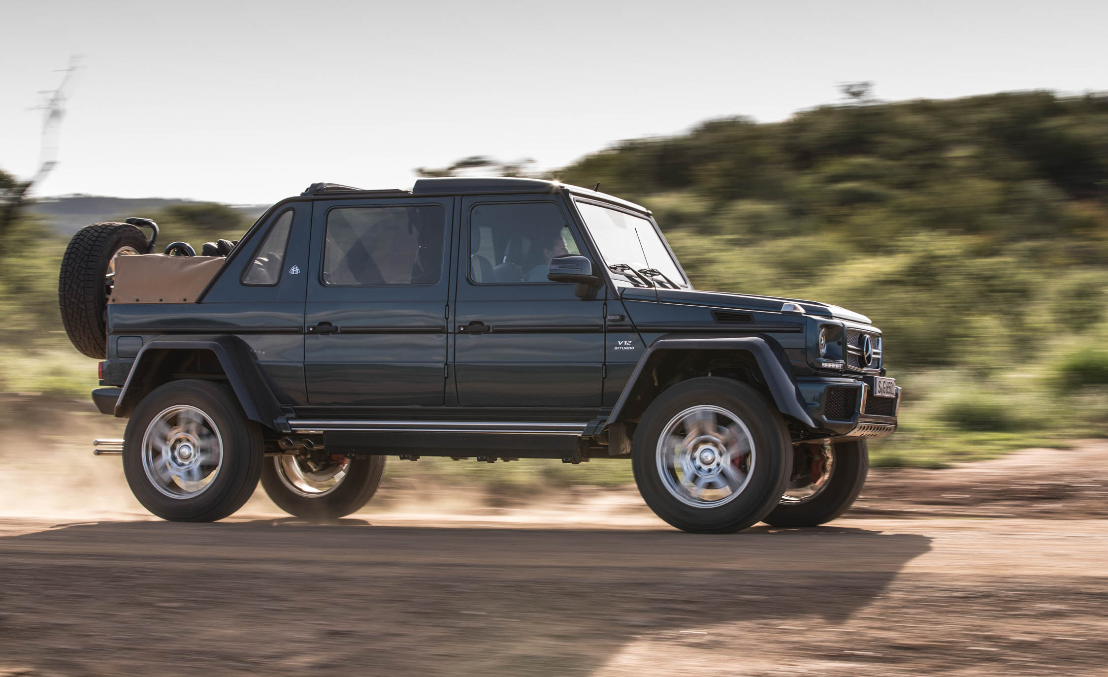 2018 Mercedes Maybach G650 Landaulet Test Drive Side Preview (Photo 42 of 52)