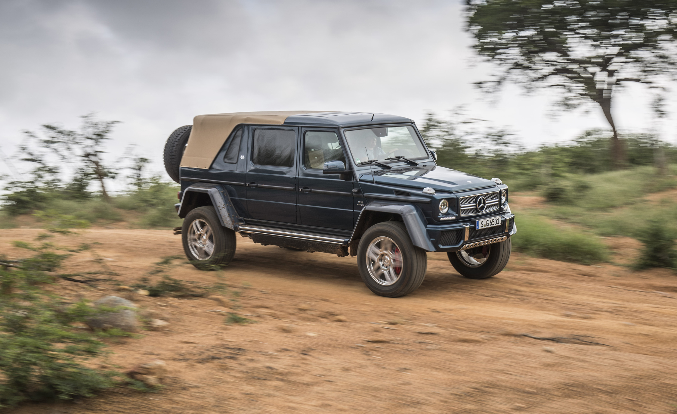 Featured Image of 2018 Mercedes Maybach G650 Landaulet