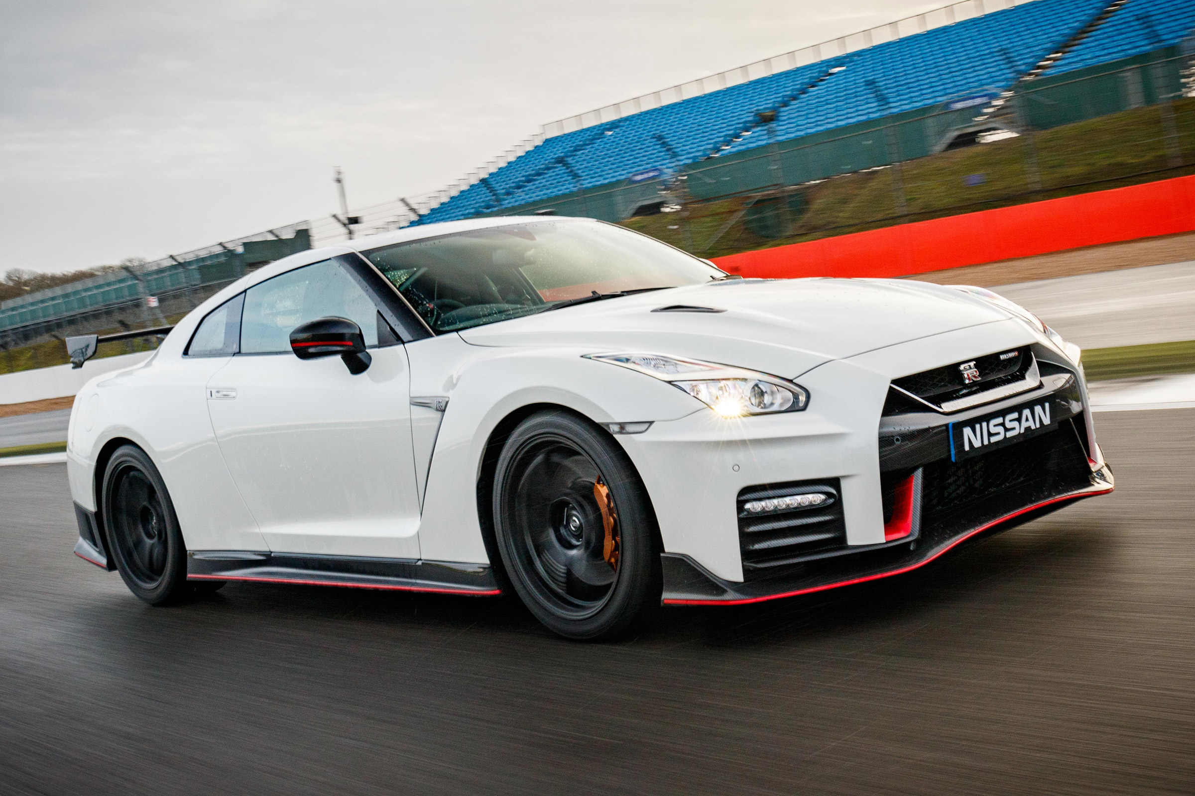 Nissan GT R NISMO  (Photo 22 of 22)