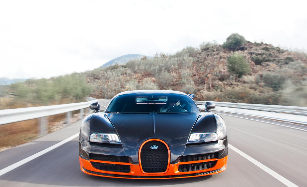 2011 Bugatti Veyron  (Photo 4 of 39)