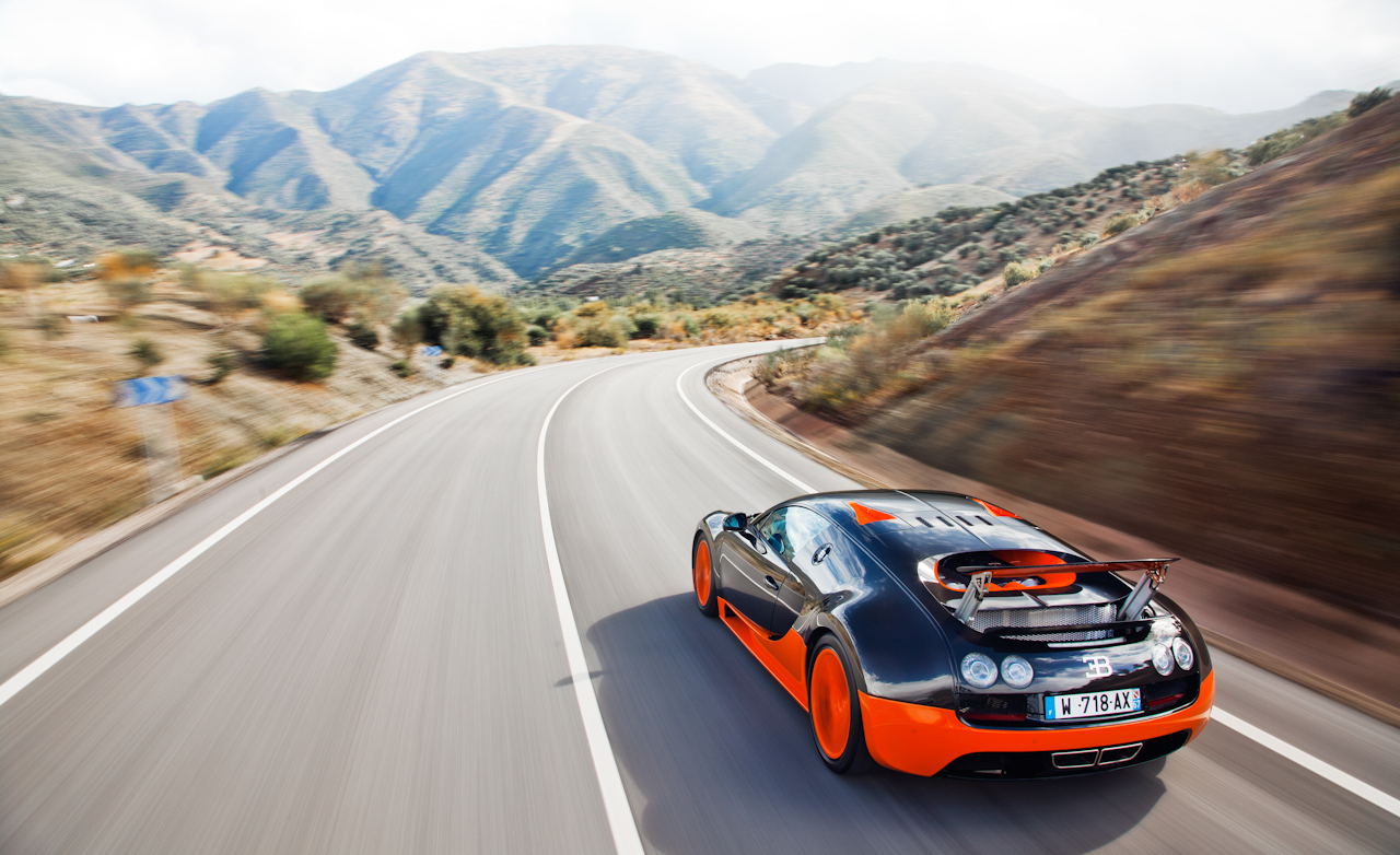 2011 Bugatti Veyron  (Photo 5 of 39)