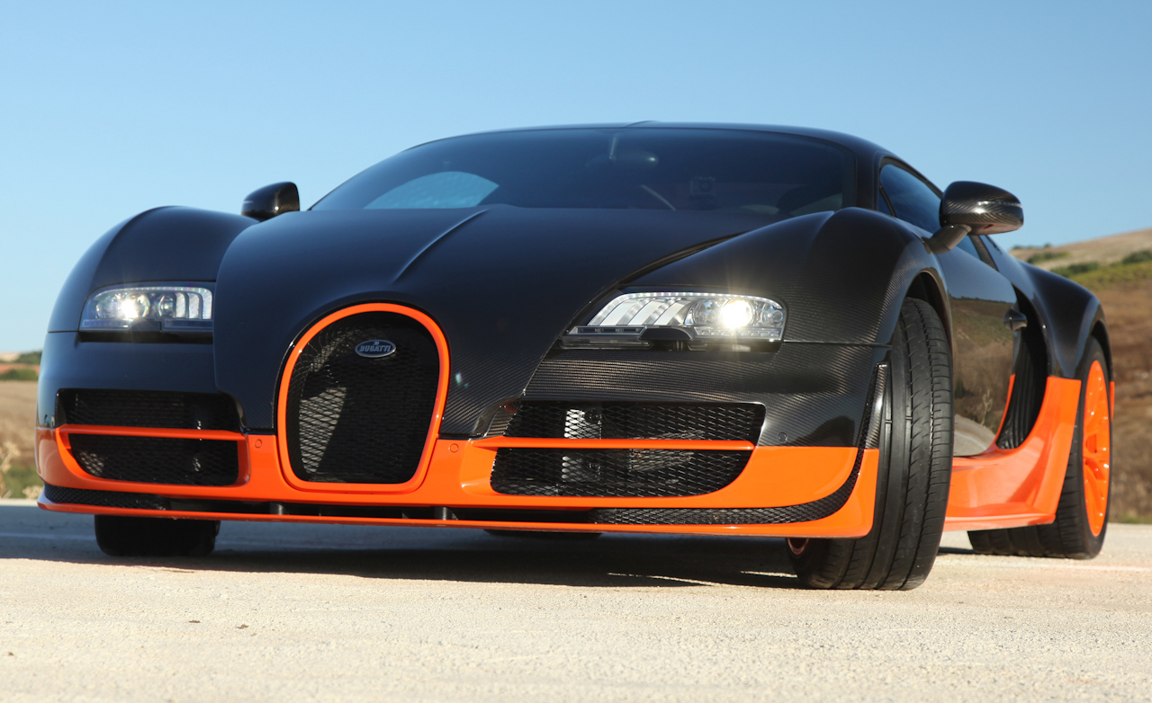 2011 Bugatti Veyron 16.4 Super Sport Exterior Front Profile (Photo 35 of 39)
