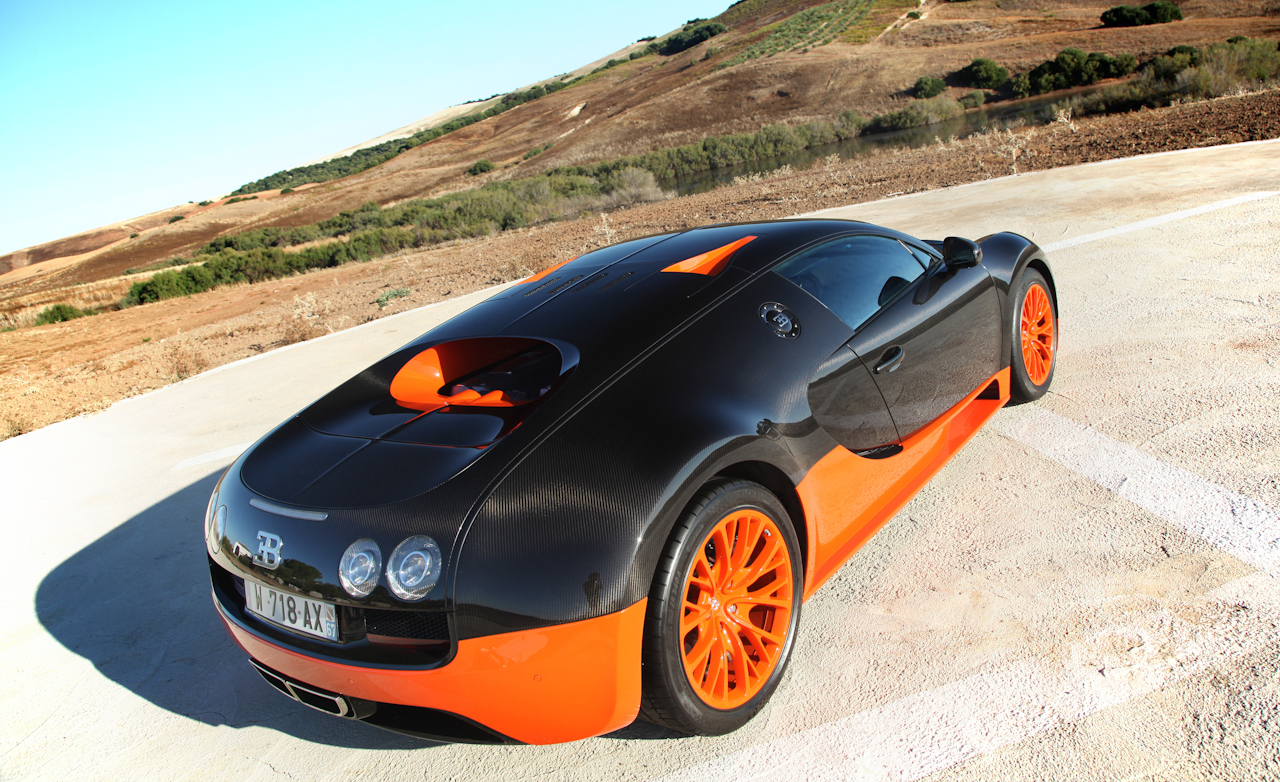 2011 Bugatti Veyron 16.4 Super Sport Exterior Rear Top (Photo 26 of 39)